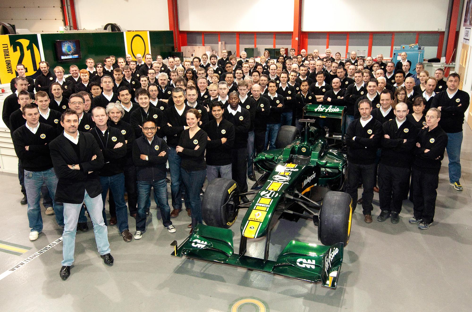 face a team car
