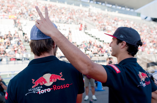 Toro Rosso re-signs Ricciardo and Vergne
