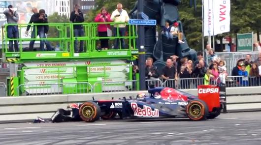 Max Verstappen crashes in Rotterdam demo