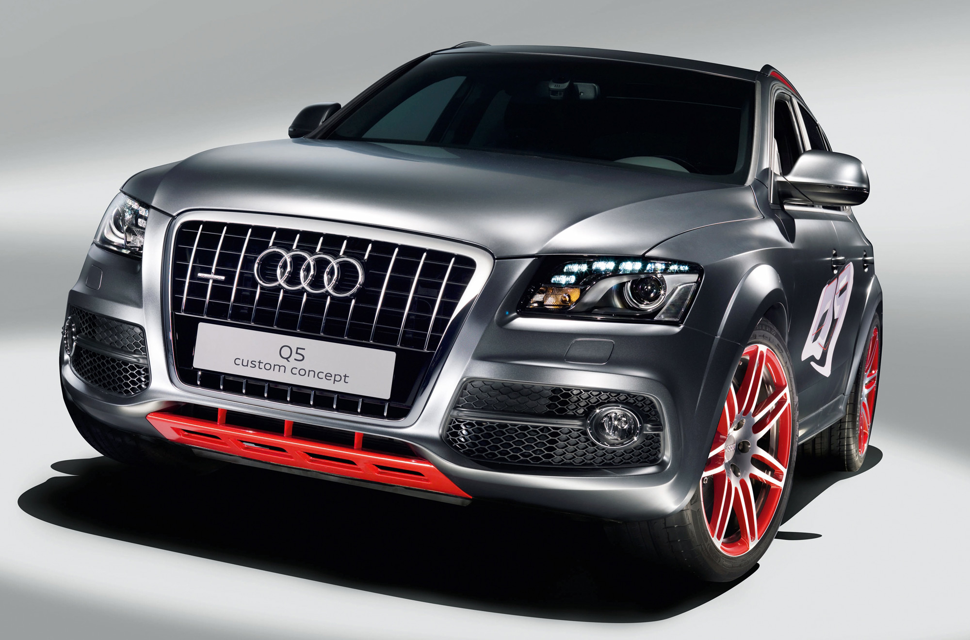 audi q5 gets more enthusiastic. Black Bedroom Furniture Sets. Home Design Ideas