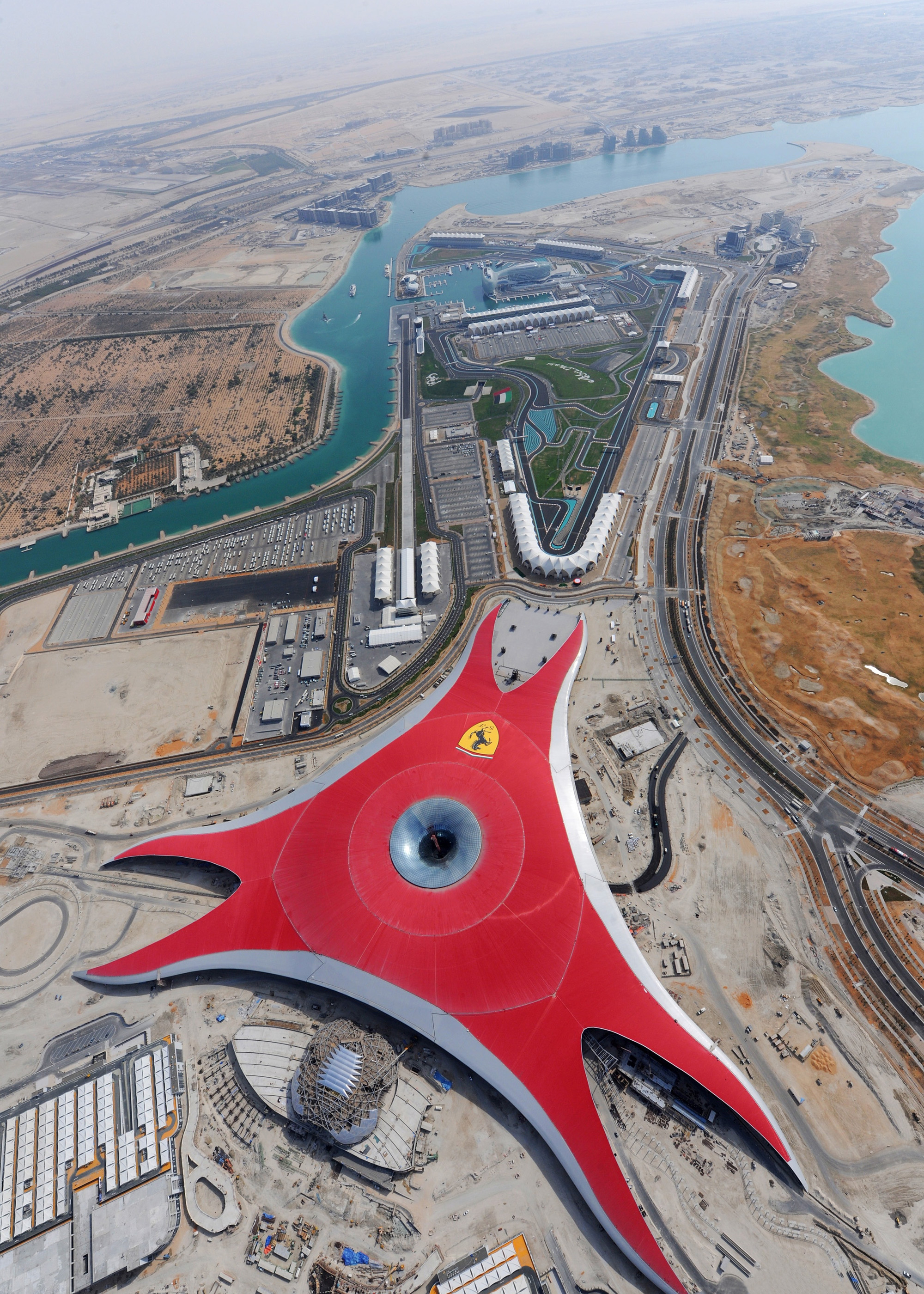 ferrari world abu dhabi opening in 2010. Black Bedroom Furniture Sets. Home Design Ideas