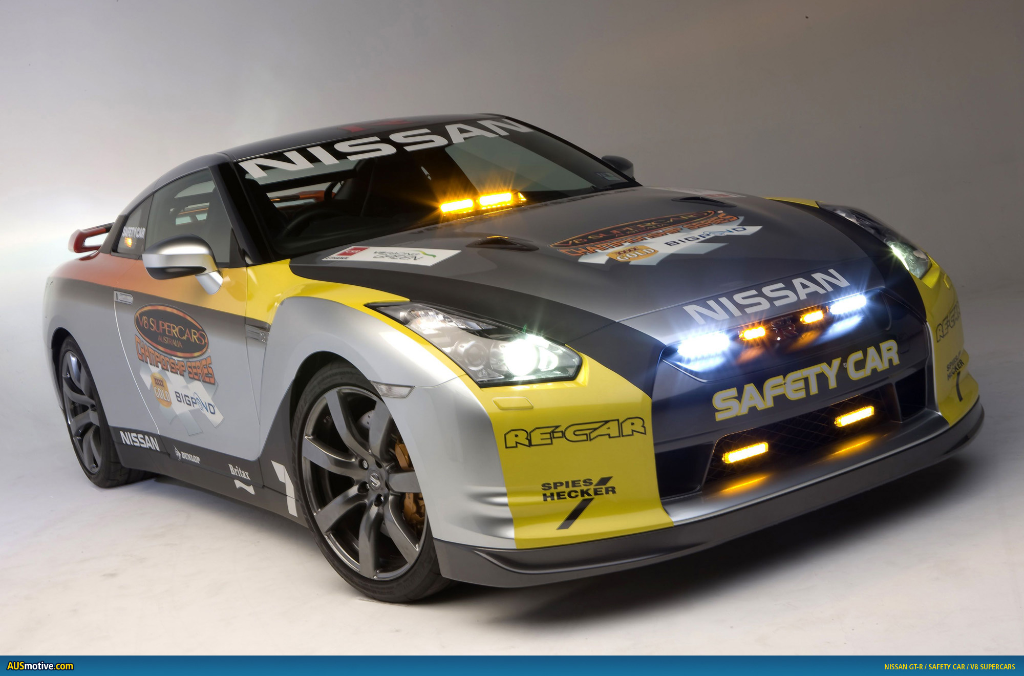 Ausmotive Com 187 Nissan Gt R Safety Car To V8 Supercars