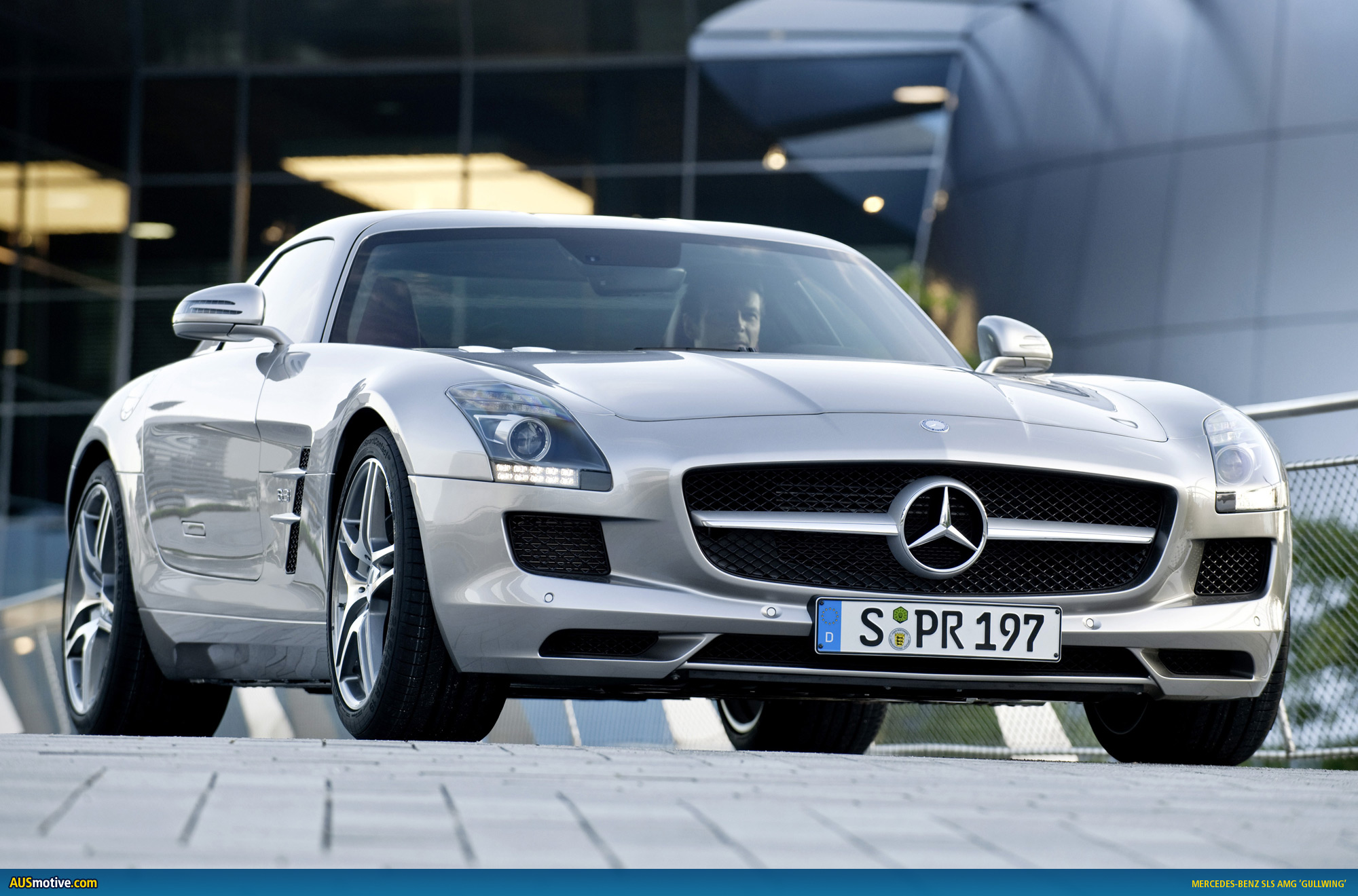 Gullwing set to land under 500k for Mercedes benz slr amg price