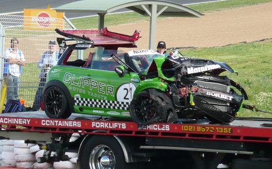 MINI CHALLENGE crash at Bathurst