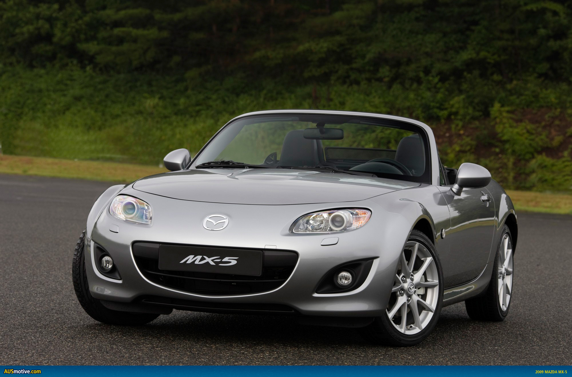 mazda mx 5 to refresh mims. Black Bedroom Furniture Sets. Home Design Ideas