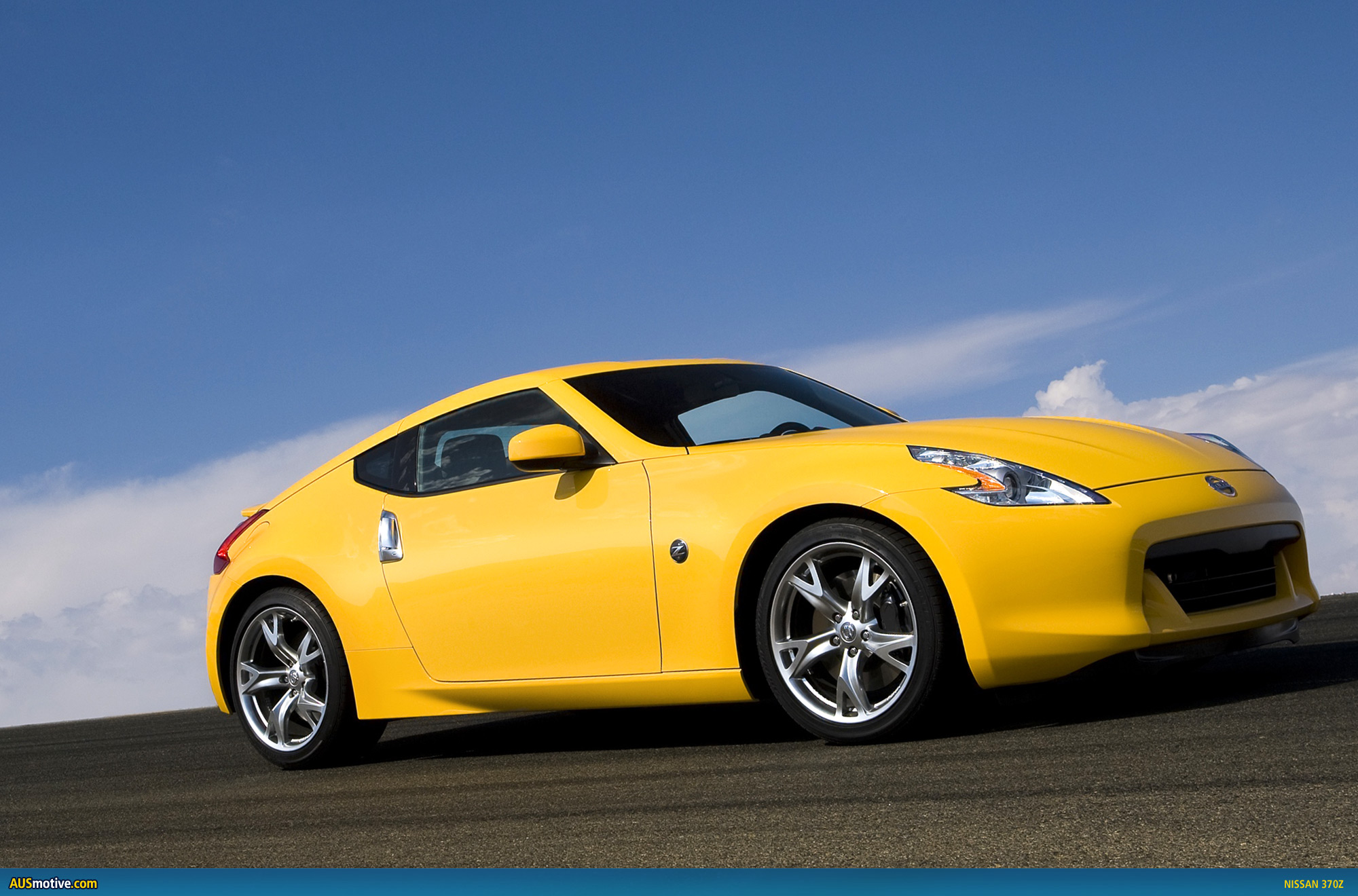nissan 370z uk specifications. Black Bedroom Furniture Sets. Home Design Ideas