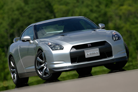 how much power does the nissan gt r really produce. Black Bedroom Furniture Sets. Home Design Ideas