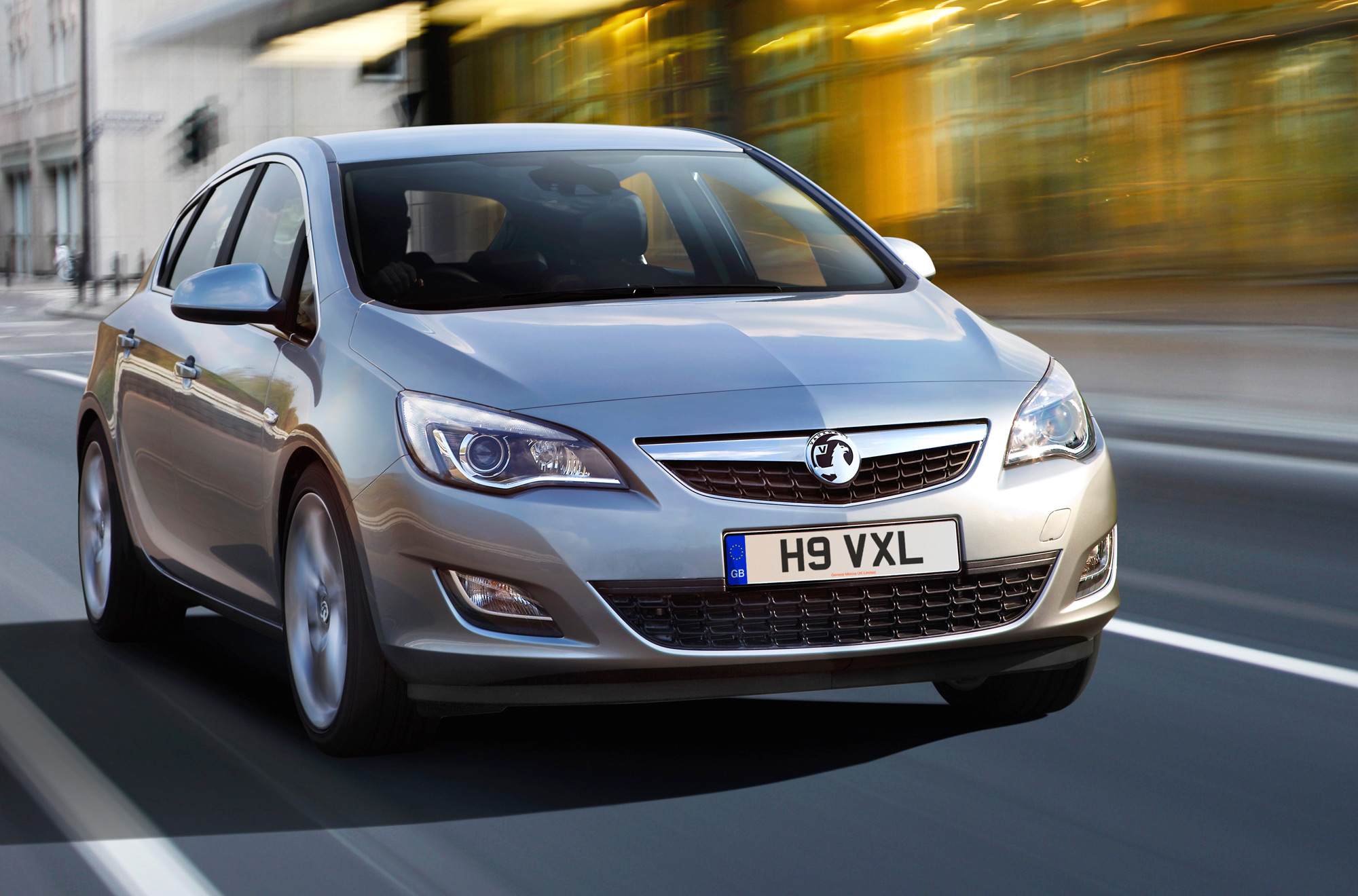 the motoring world uk recall 19 vauxhall astra models recall for possible fire due to. Black Bedroom Furniture Sets. Home Design Ideas