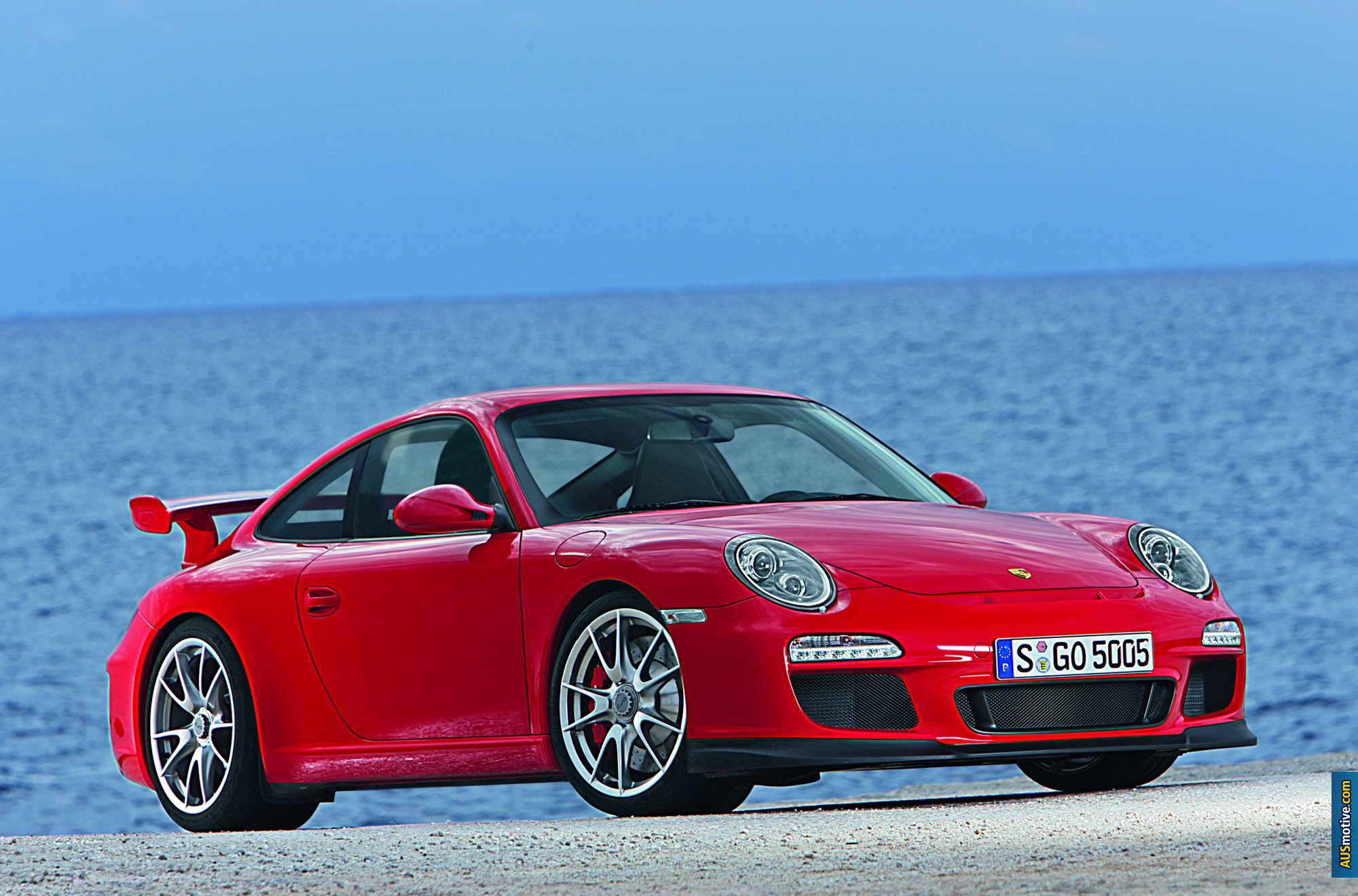 ... the new porsche 911 gt3 still can t match the nissan gt r in a hot lap