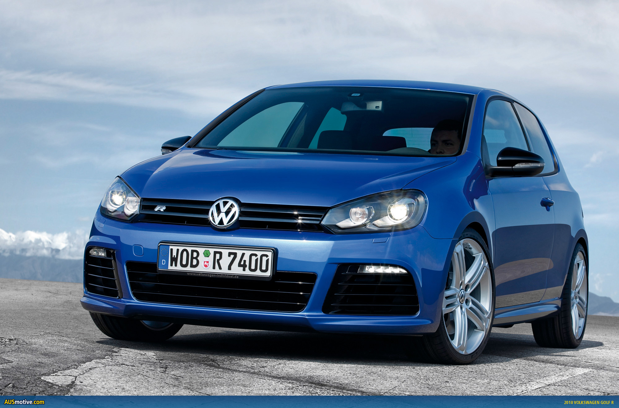 frankfurt volkswagen golf r. Black Bedroom Furniture Sets. Home Design Ideas