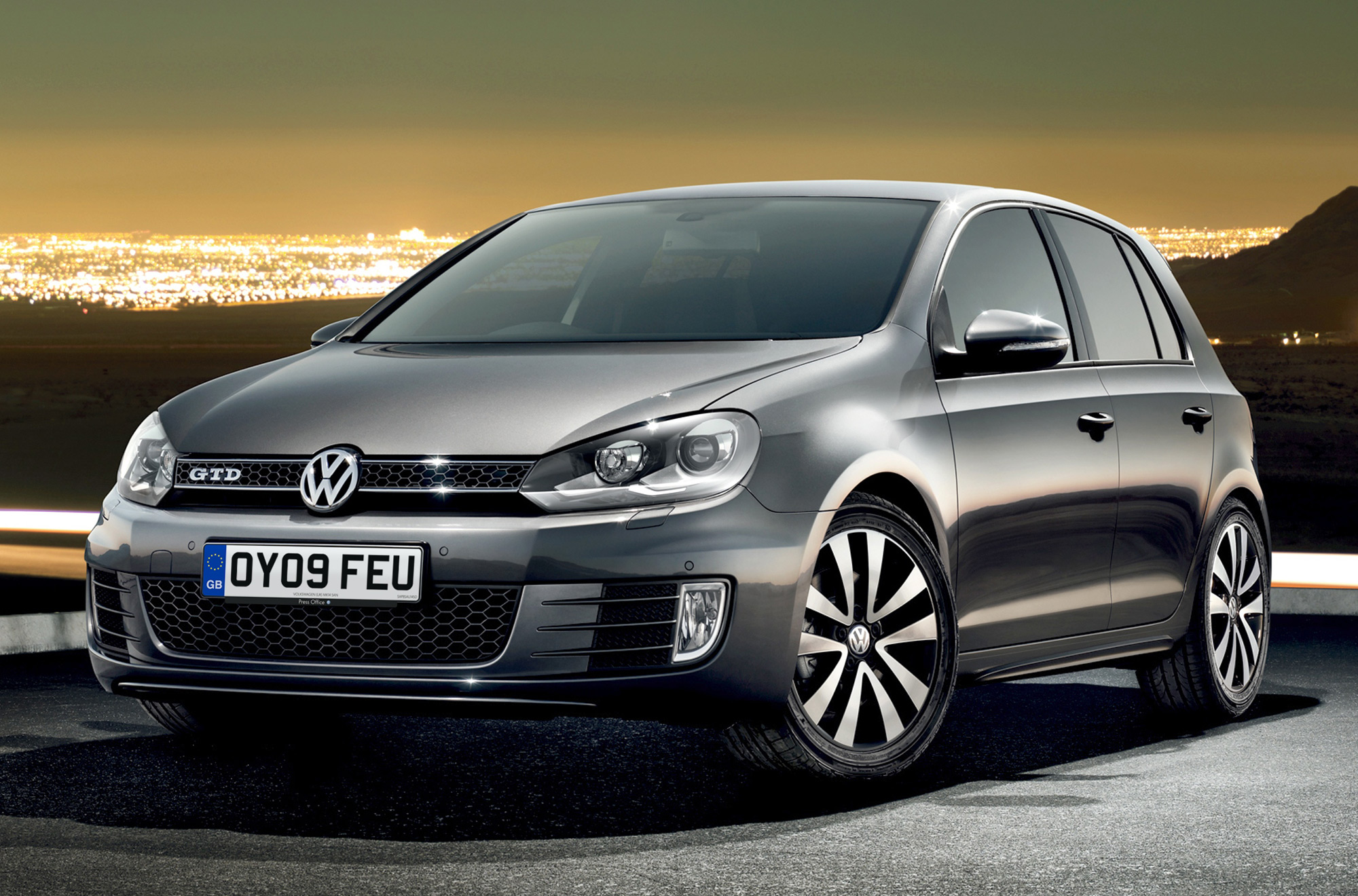 volkswagen uk announces golf gtd pricing. Black Bedroom Furniture Sets. Home Design Ideas