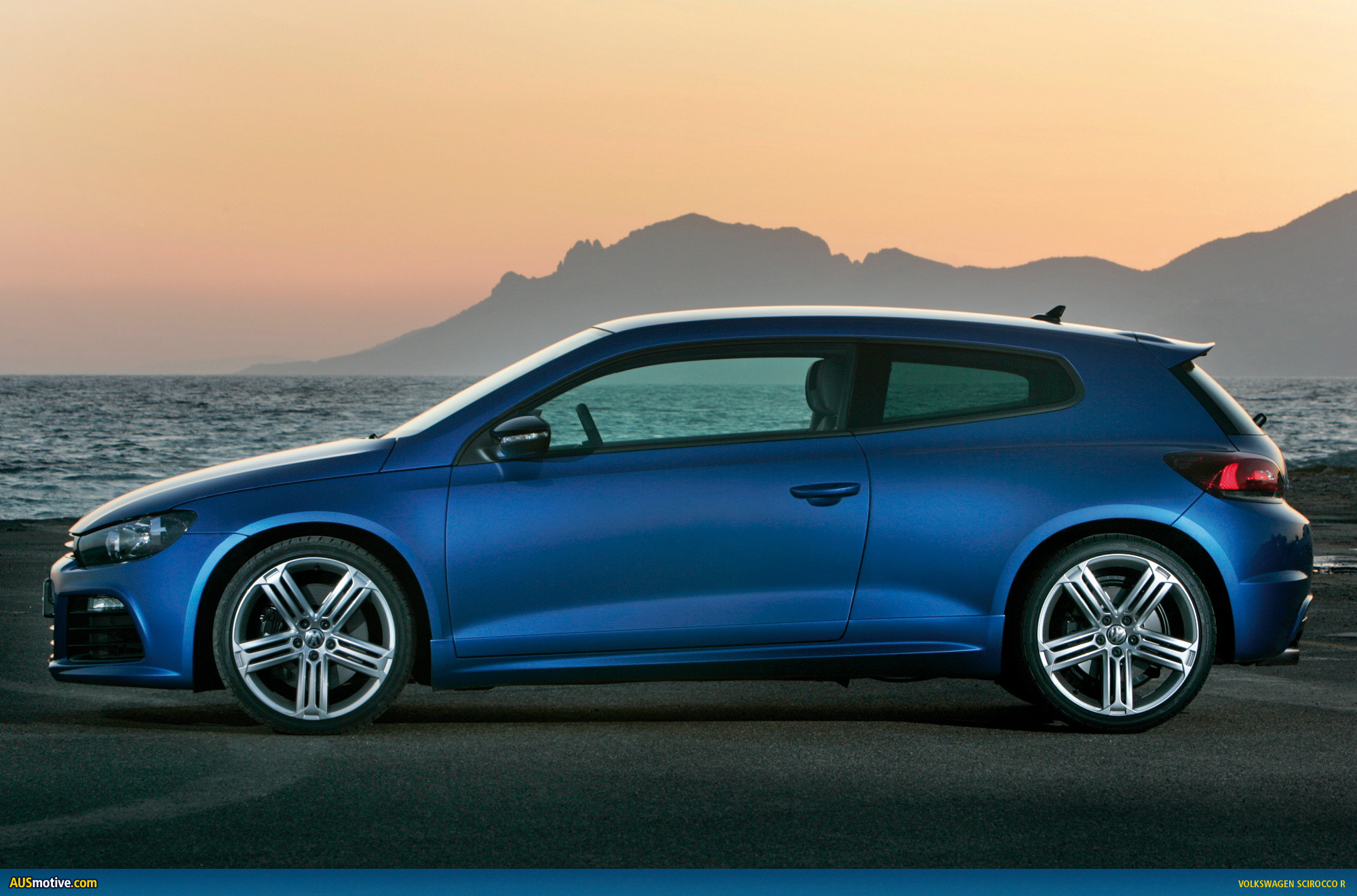 volkswagen scirocco r photo gallery. Black Bedroom Furniture Sets. Home Design Ideas