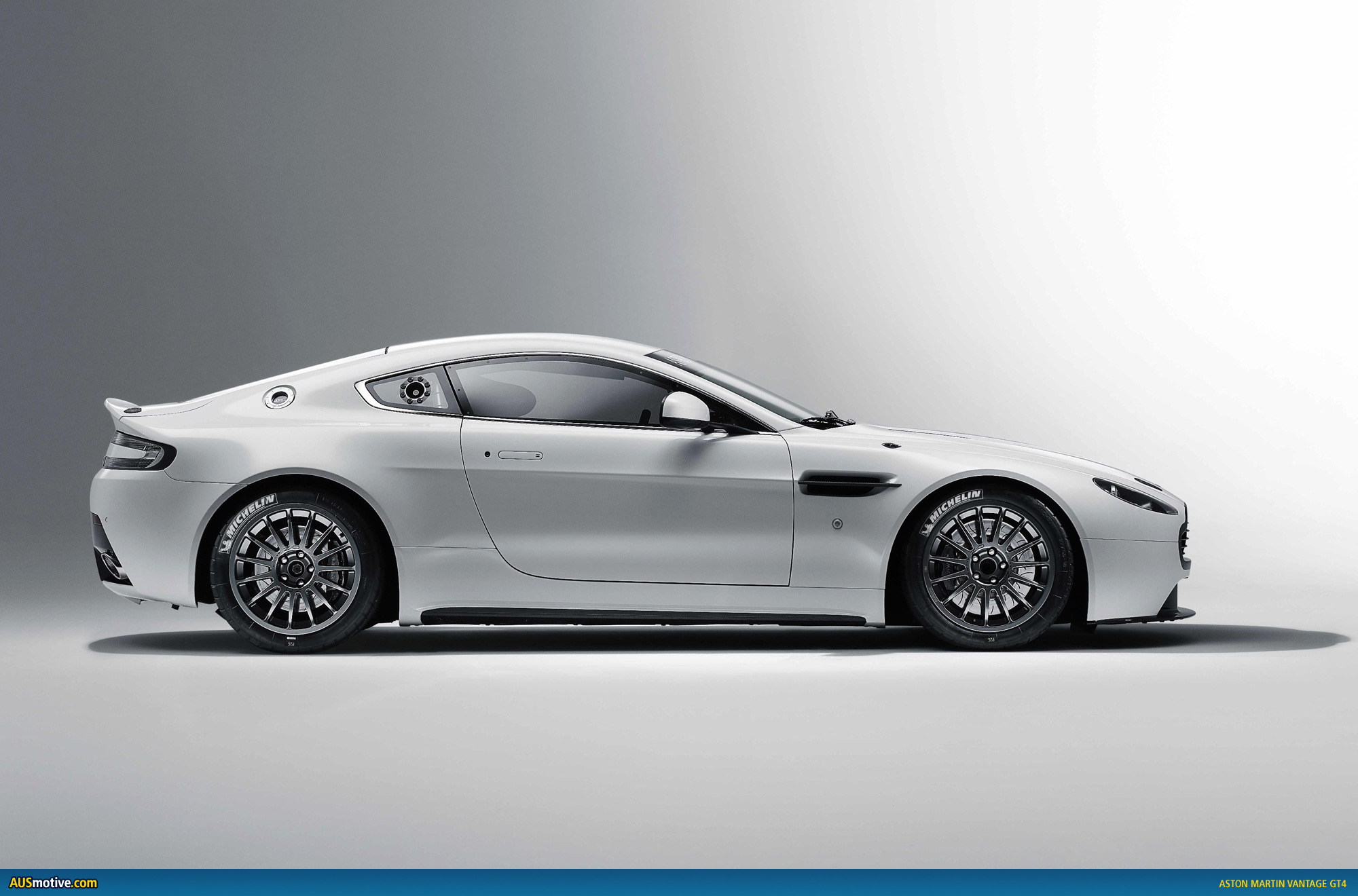 aston martin updates vantage gt4. Black Bedroom Furniture Sets. Home Design Ideas