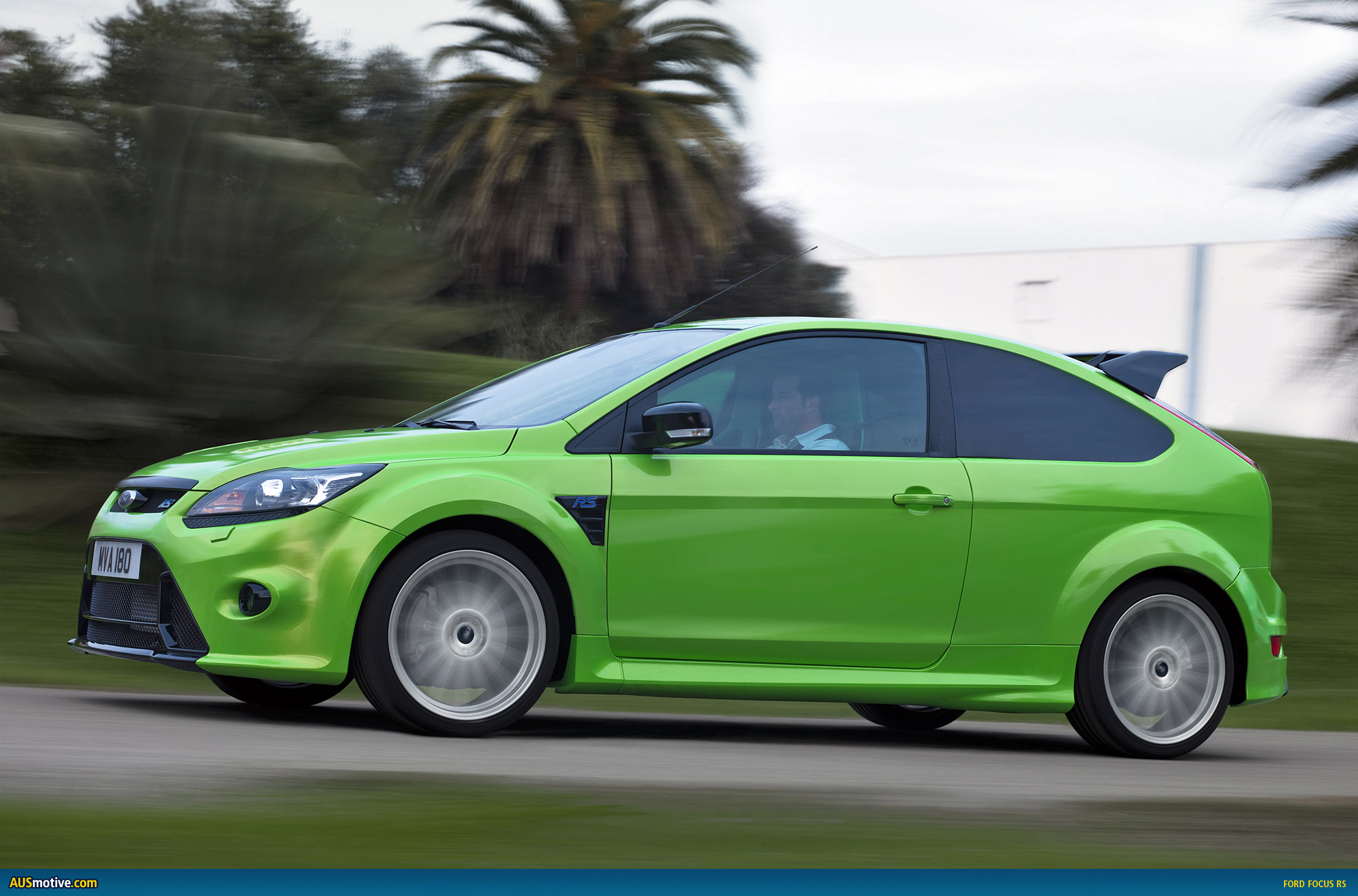 ford focus rs confirmed for australia 59 990. Black Bedroom Furniture Sets. Home Design Ideas