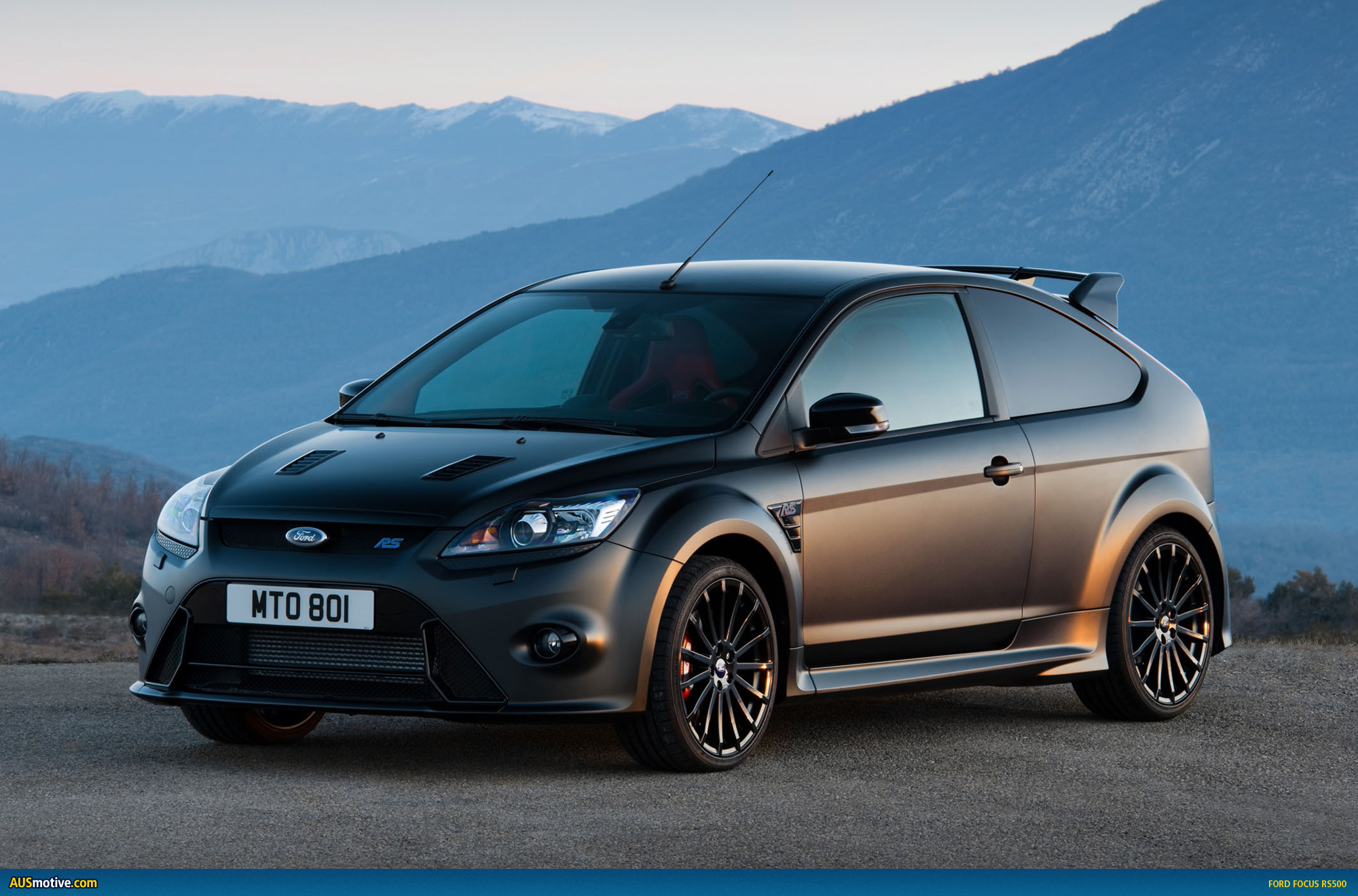 ford focus rs500 already a museum piece. Black Bedroom Furniture Sets. Home Design Ideas
