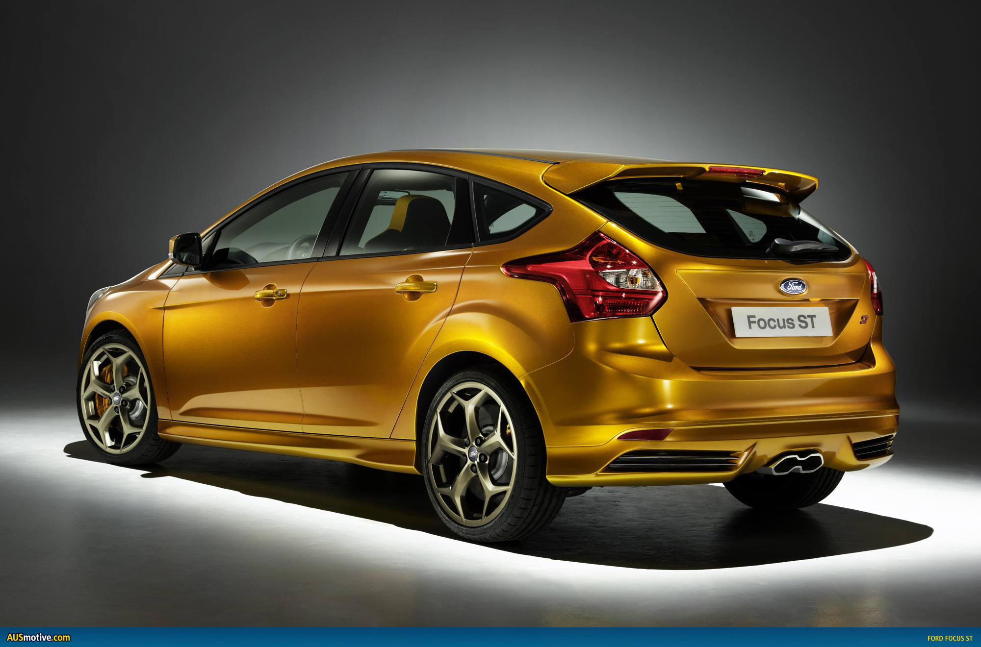 ford focus st gets 184kw after being hit. Black Bedroom Furniture Sets. Home Design Ideas
