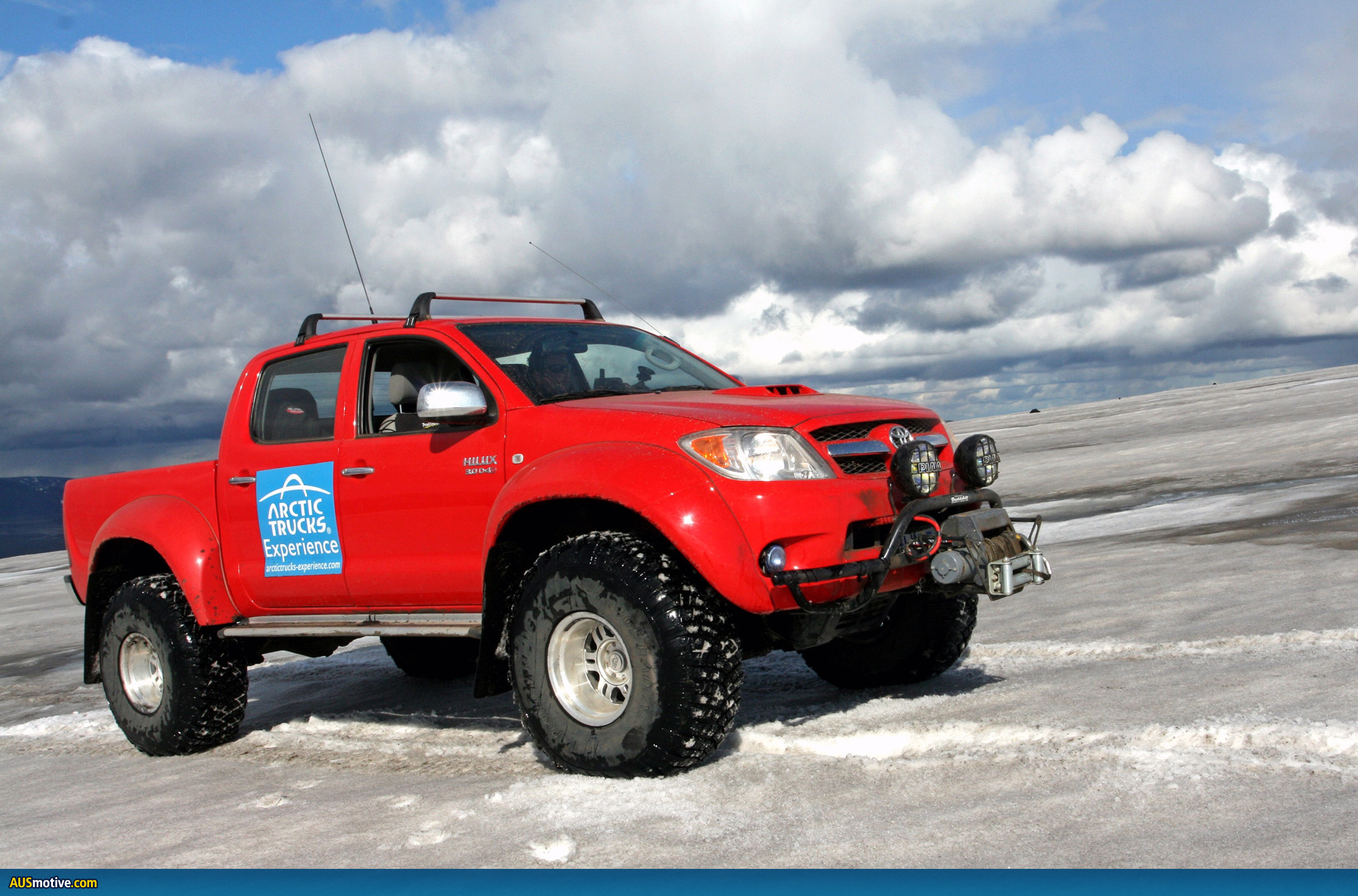 First Car To Get To The North Pole
