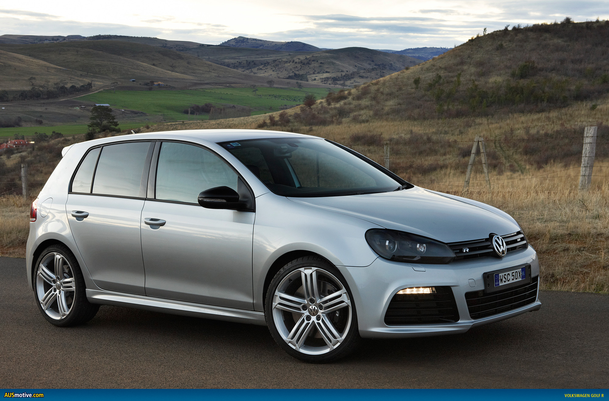 volkswagen golf r australian specs pricing. Black Bedroom Furniture Sets. Home Design Ideas