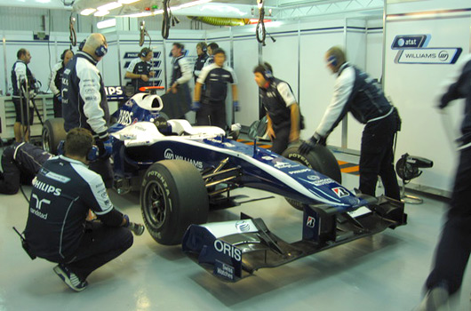 Williams FW32 in pits at Valencia