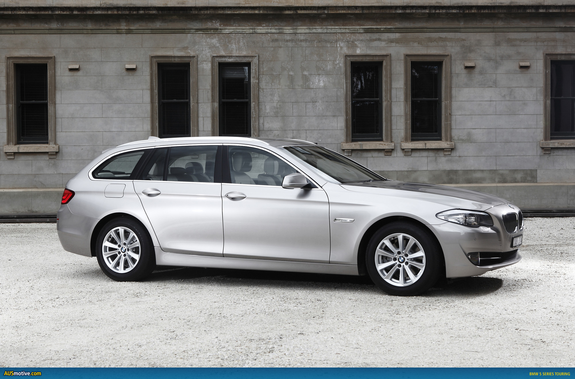 bmw 5 series touring australian pricing specs. Black Bedroom Furniture Sets. Home Design Ideas
