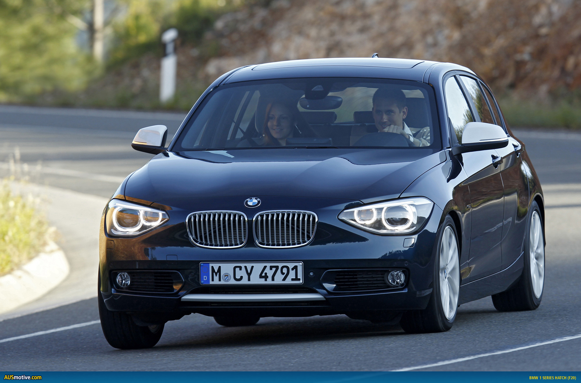 AUSmotive com » OFFICIAL: The new BMW 1 Series hatch