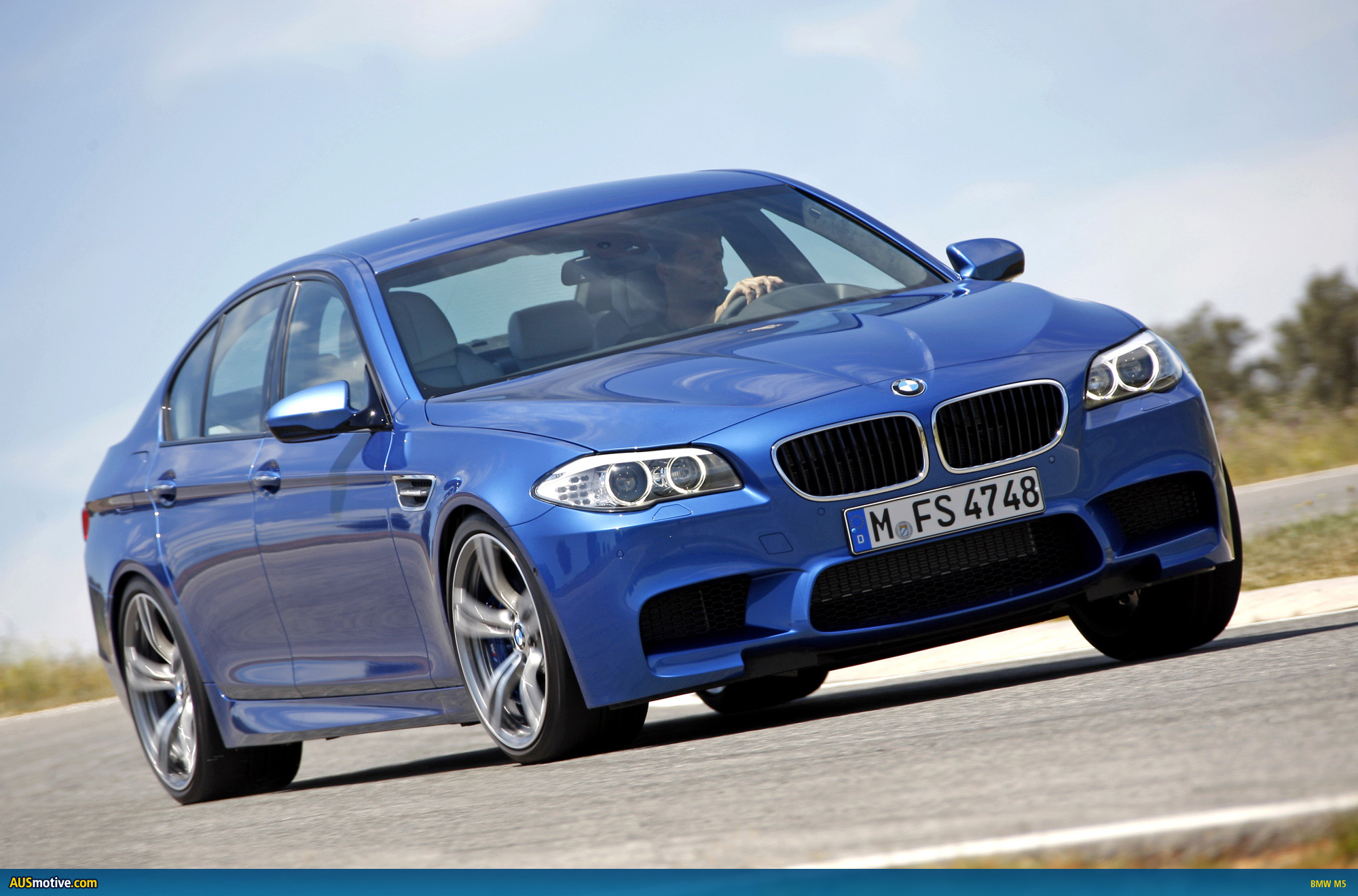 AUSmotive.com » OFFICIAL: BMW M5 photos & specifications