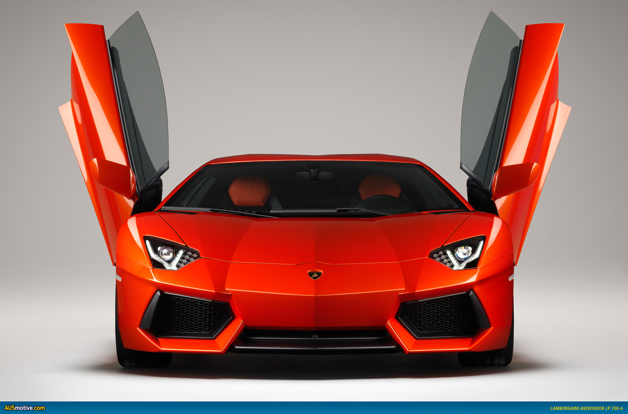 Geneva 2011: Lamborghini Aventador LP 7004
