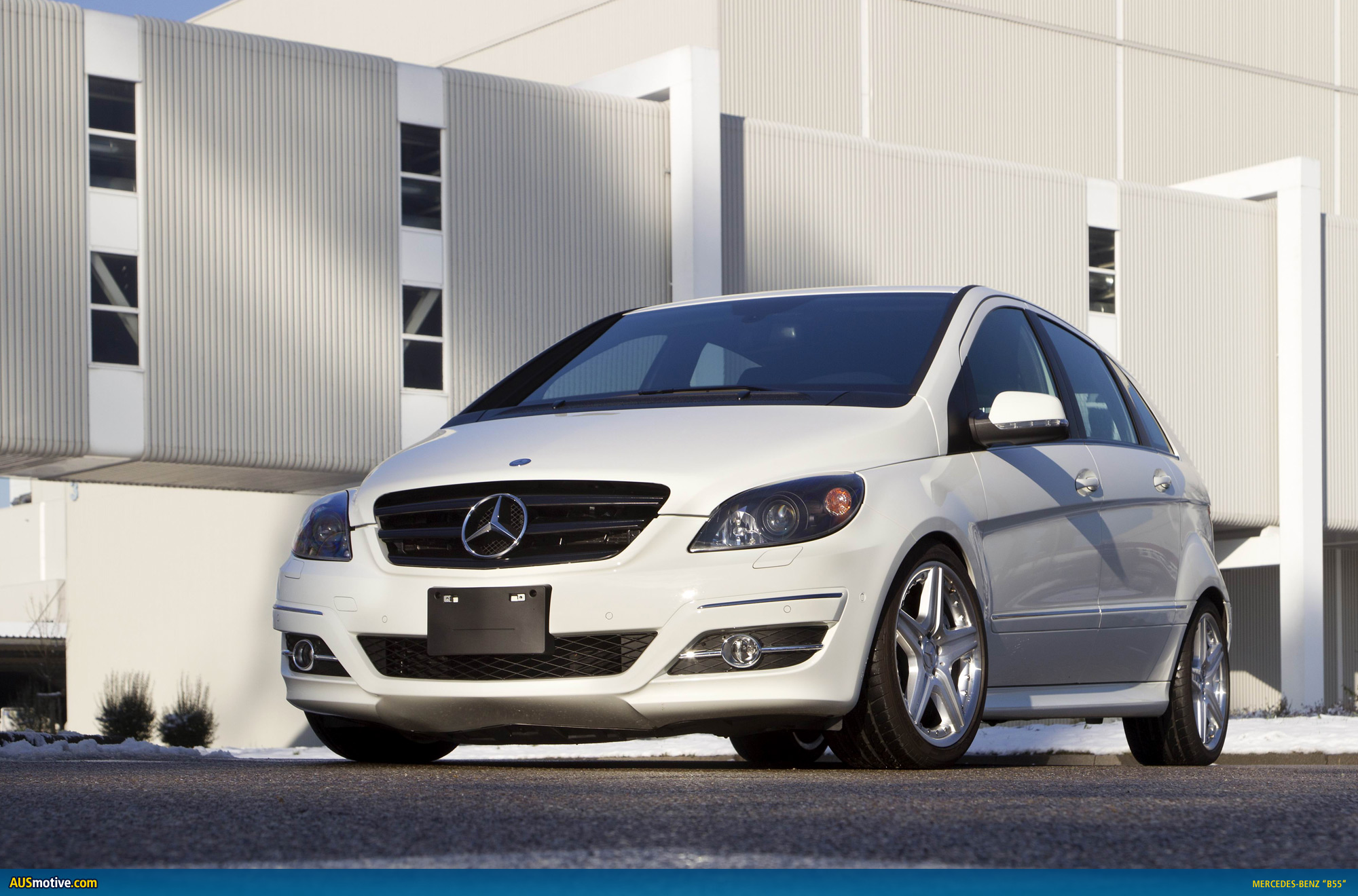 Mercedes benz trainees create b55 bombshell for Mercedes benz creator