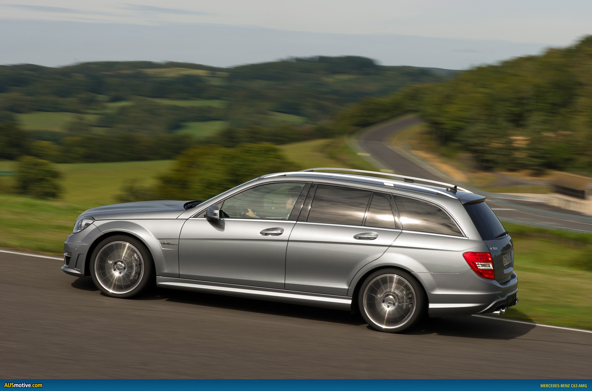 2011 mercedes benz c63 amg photo gallery. Black Bedroom Furniture Sets. Home Design Ideas