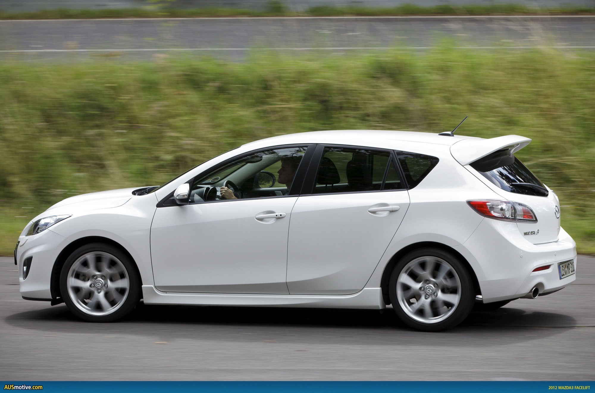 your guide to the 2011 mazda3 facelift. Black Bedroom Furniture Sets. Home Design Ideas