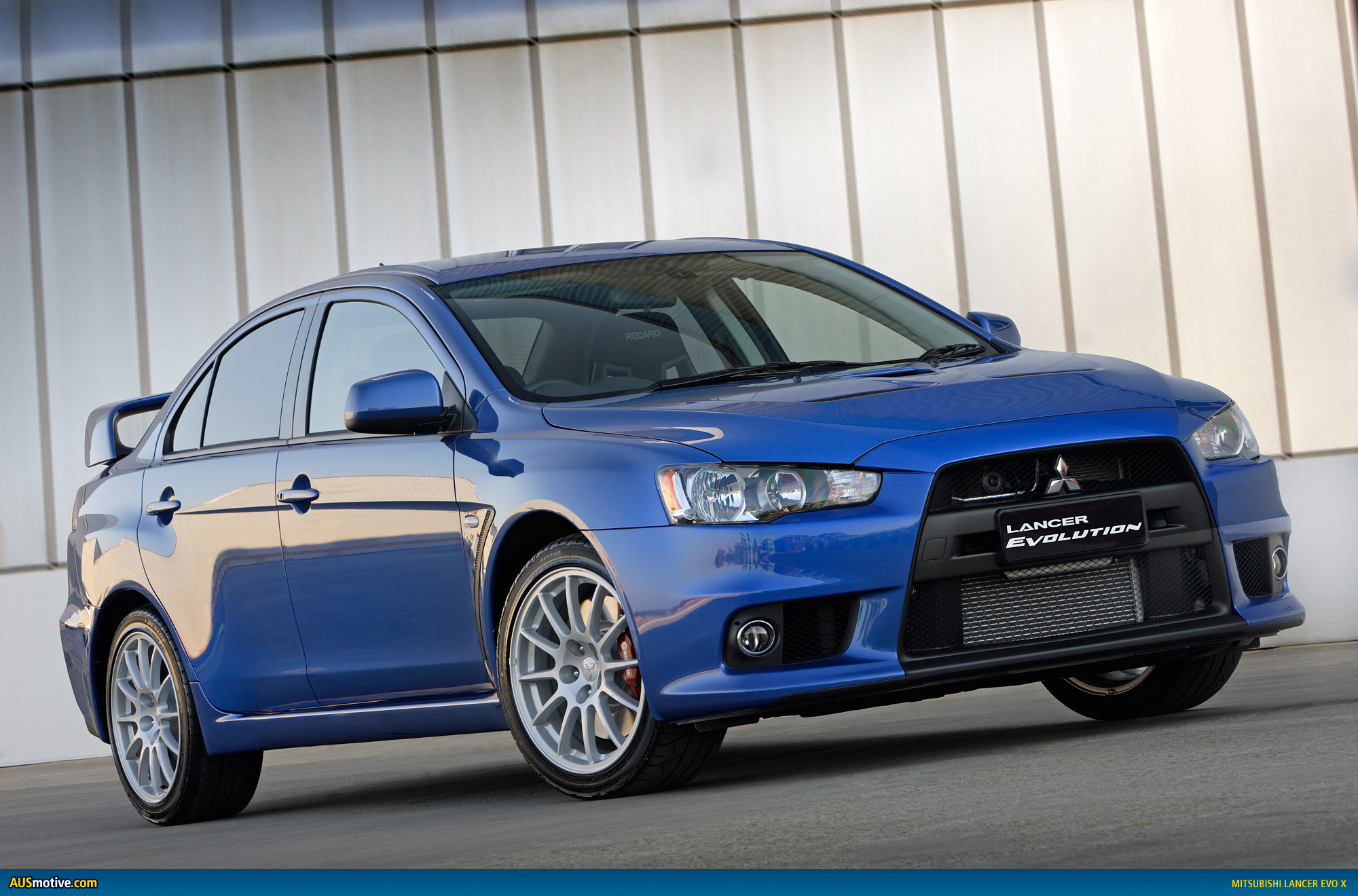 mitsubishi s lancer evolution facing extinction. Black Bedroom Furniture Sets. Home Design Ideas
