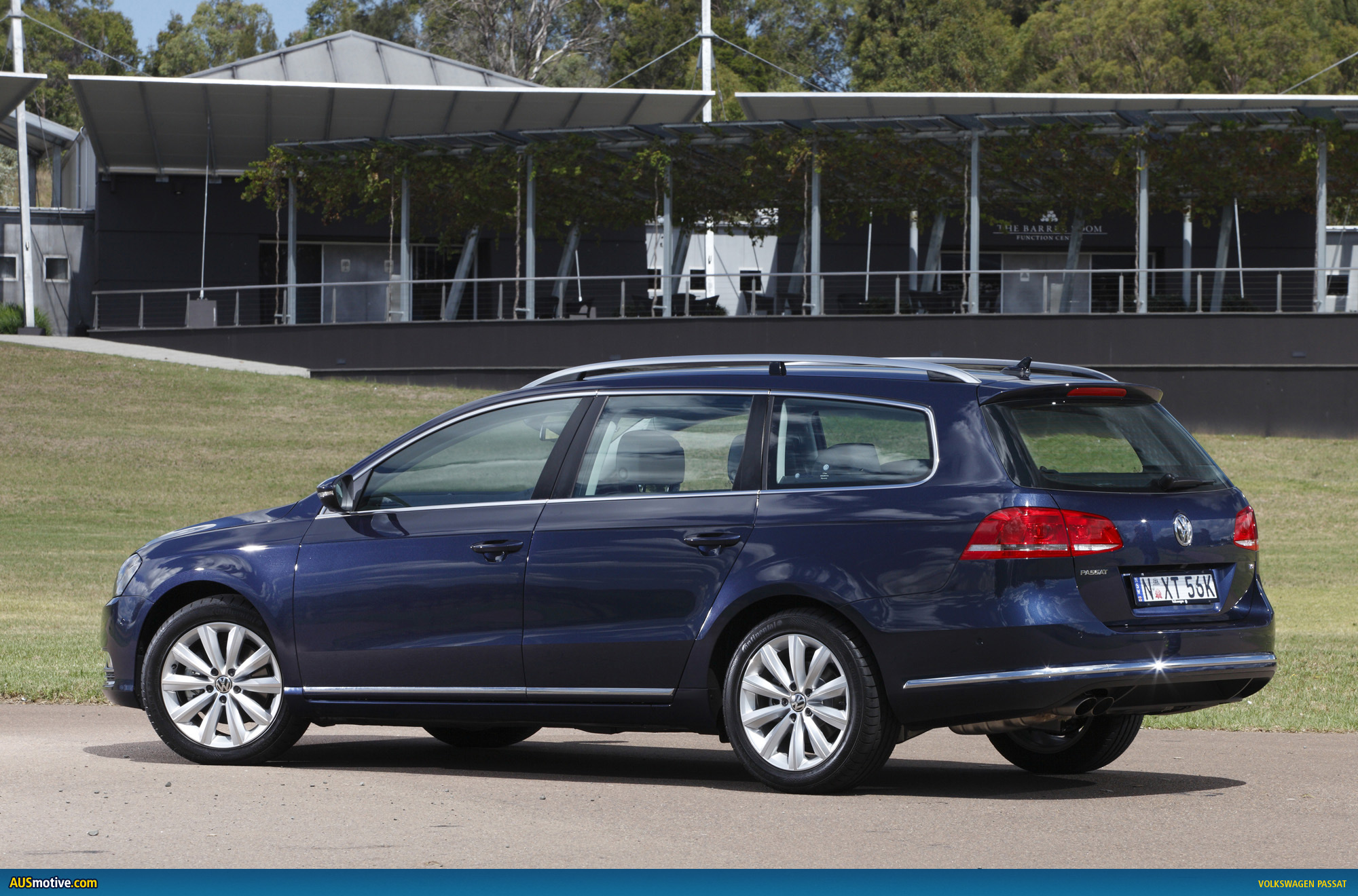 volkswagen passat australian pricing specs. Black Bedroom Furniture Sets. Home Design Ideas