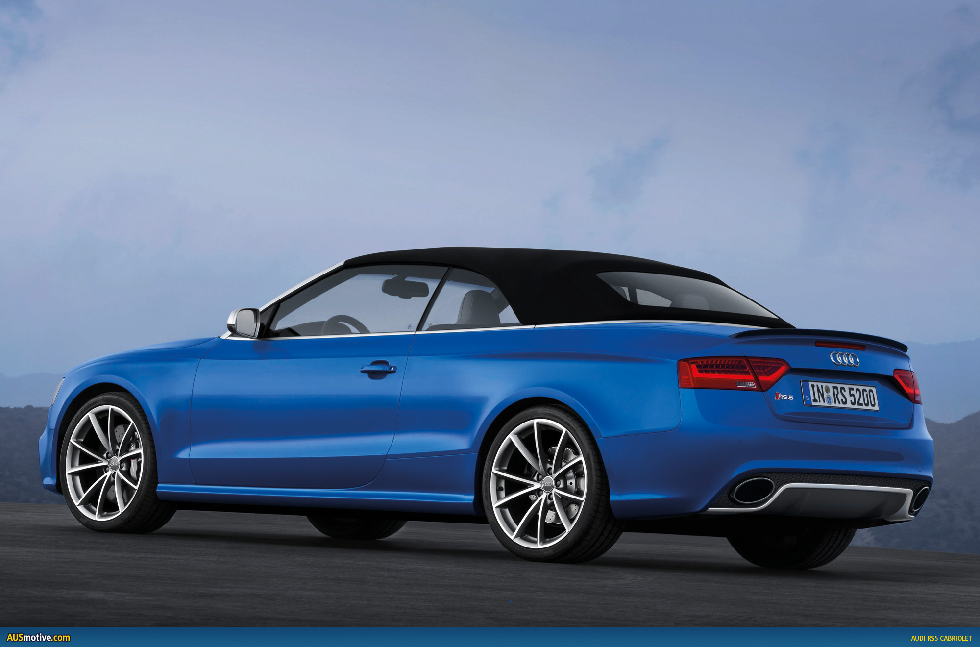 audi rs5 cabriolet revealed. Black Bedroom Furniture Sets. Home Design Ideas