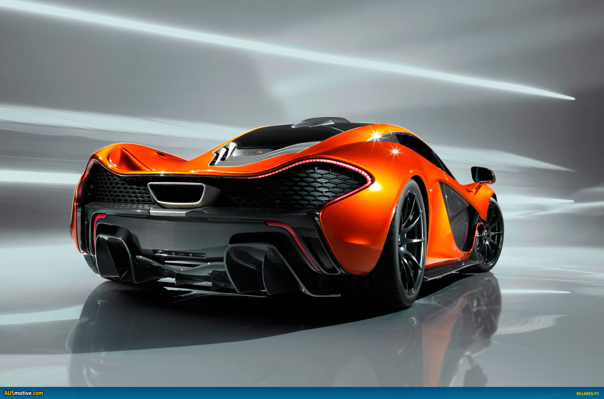 first pictures of the mclaren p1 hypercar. Black Bedroom Furniture Sets. Home Design Ideas