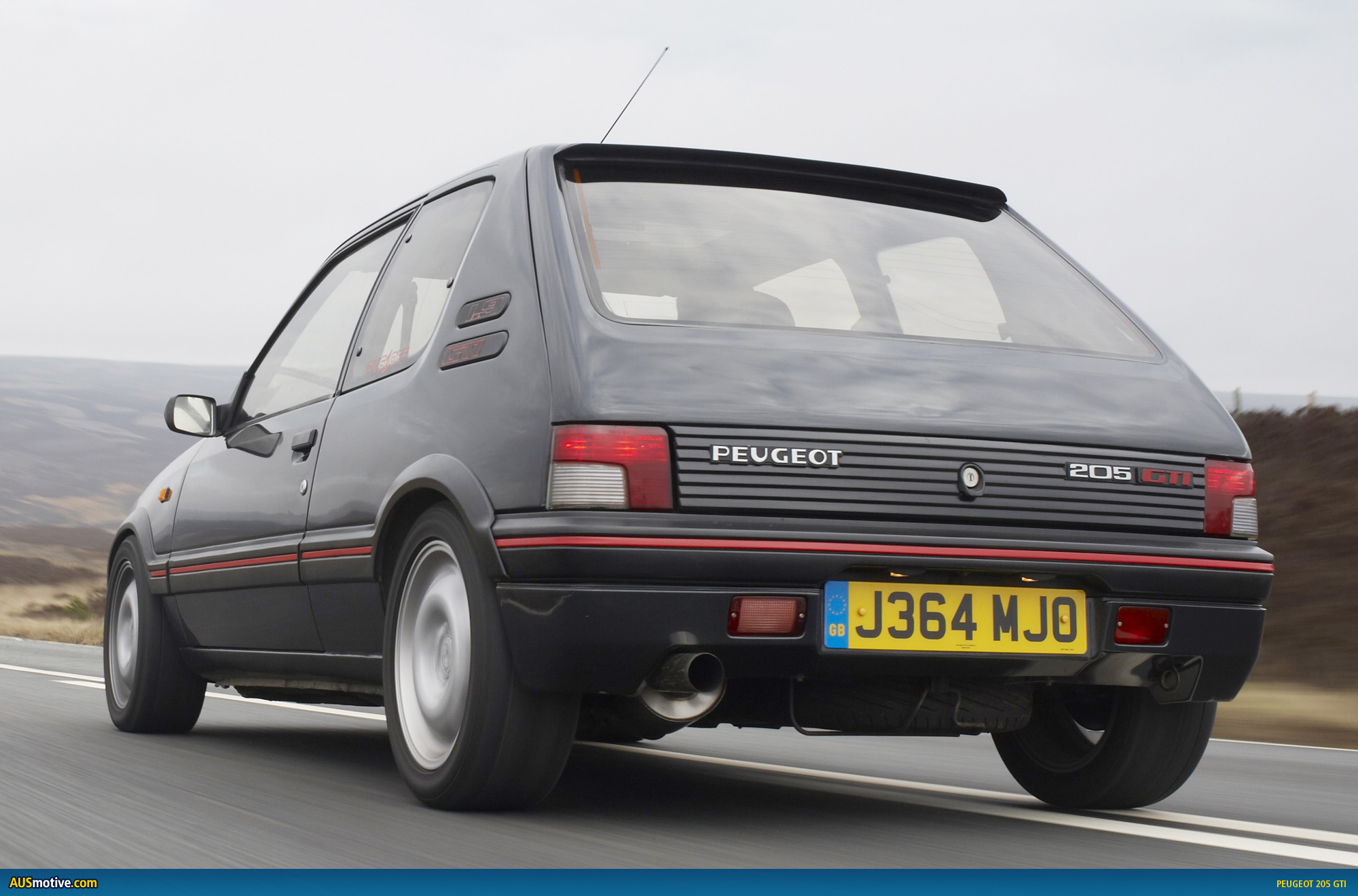 ausmotive » breathing new life into a french hot hatch icon