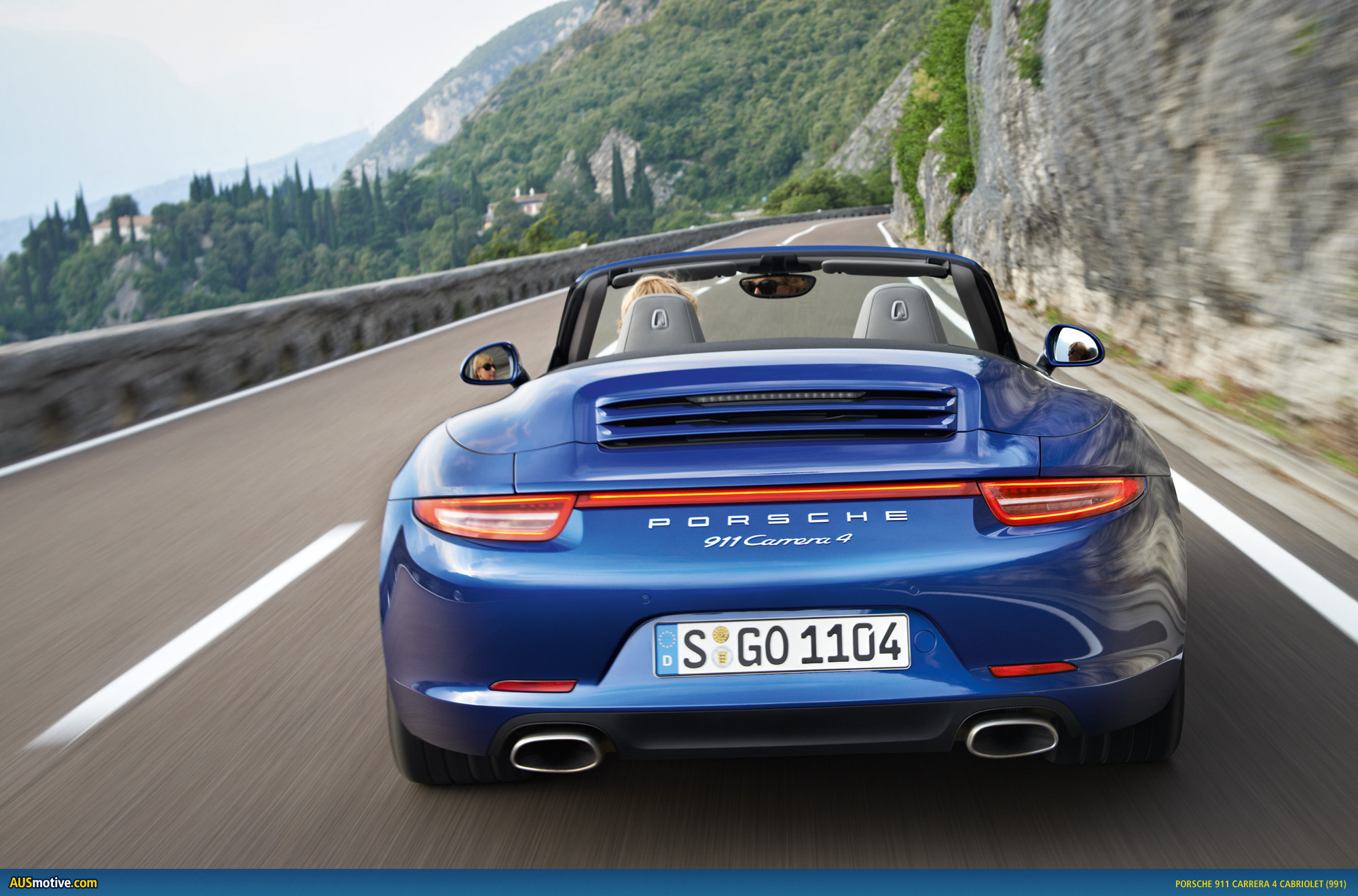 porsche 911 carrera 4 and 4s revealed