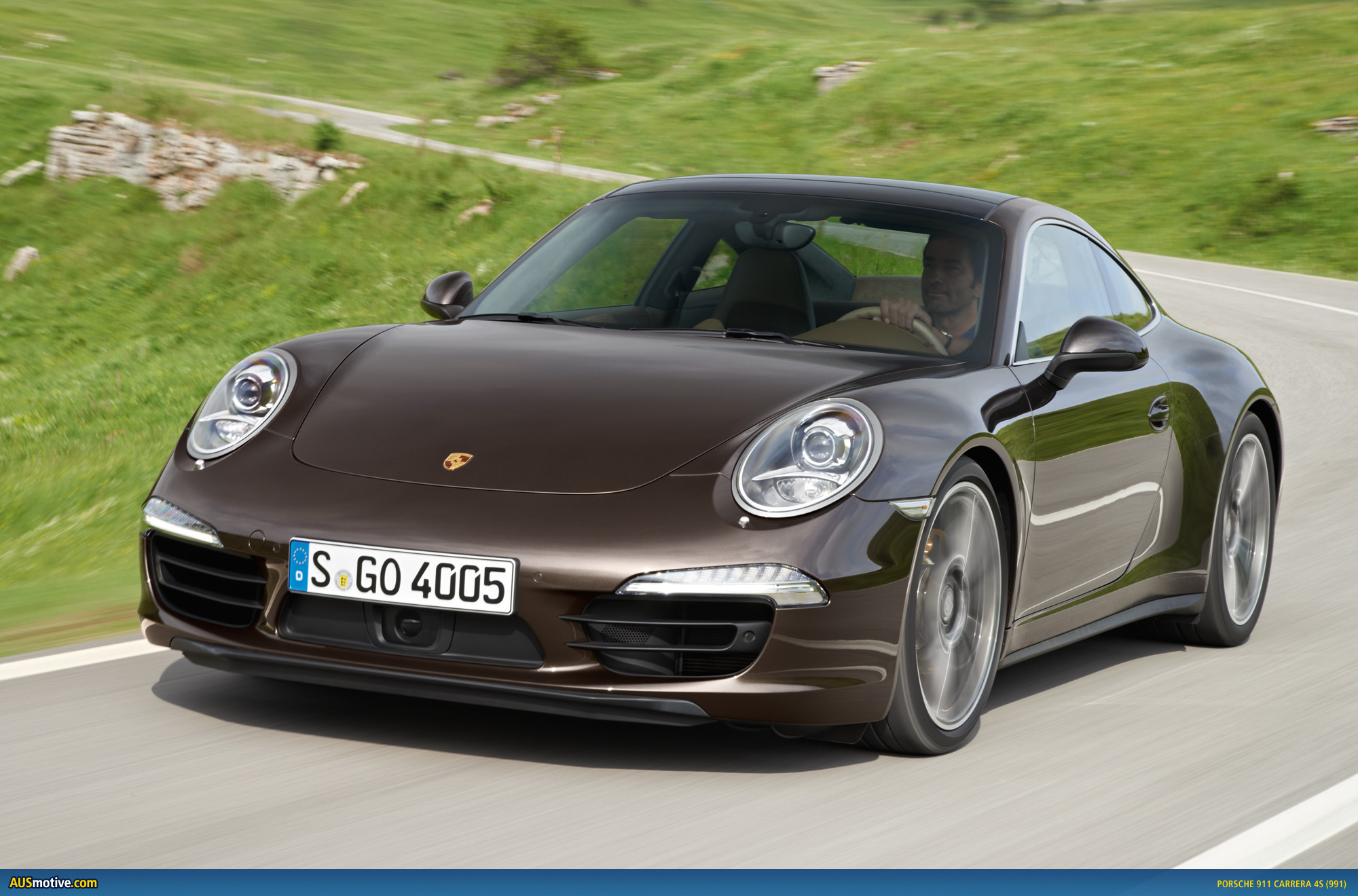 porsche 911 carrera 4 and 4s revealed. Black Bedroom Furniture Sets. Home Design Ideas