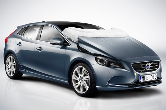 Volvo V40 with pedestrian airbag