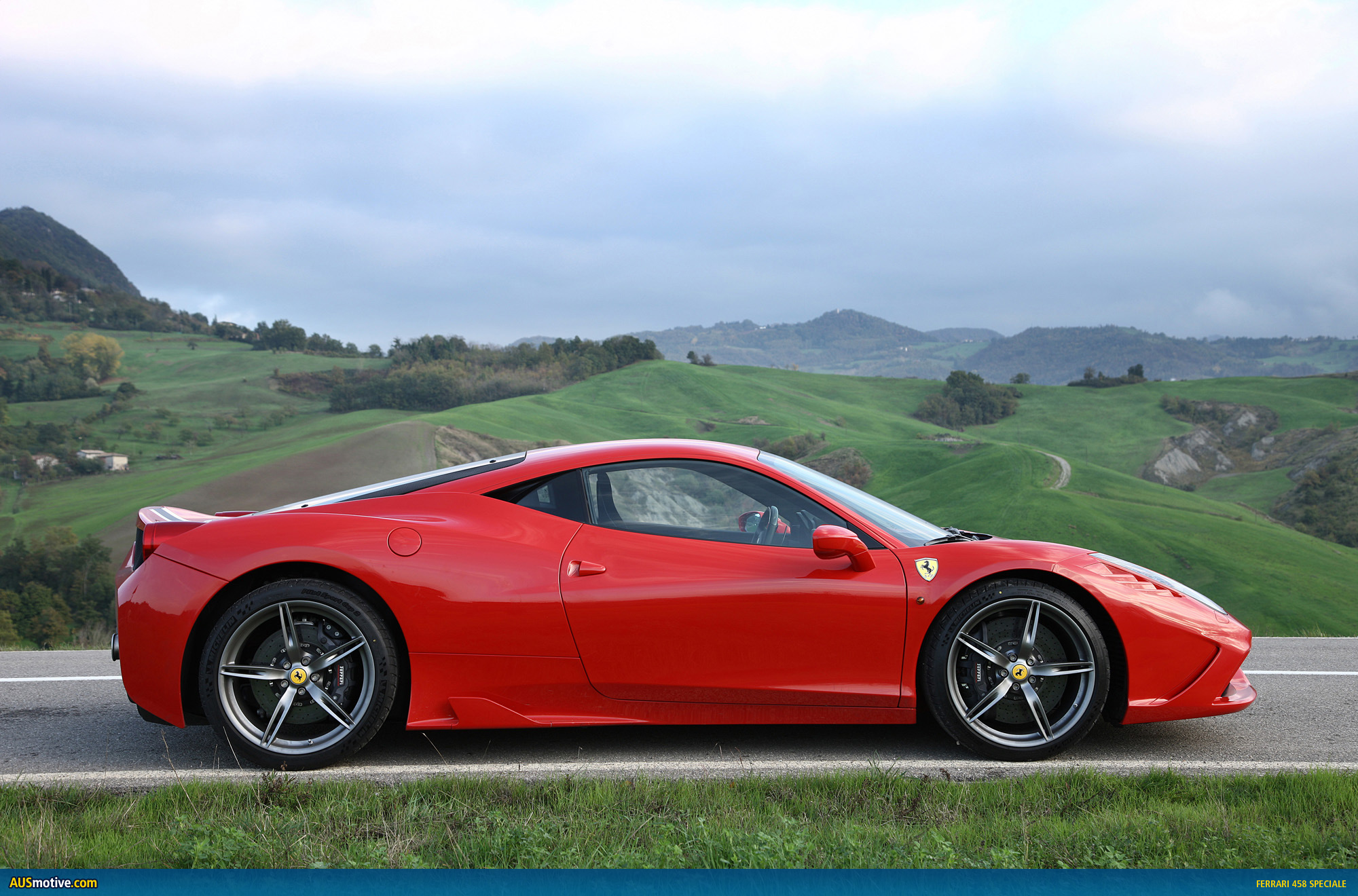 ferrari 458 speciale in pictures. Black Bedroom Furniture Sets. Home Design Ideas