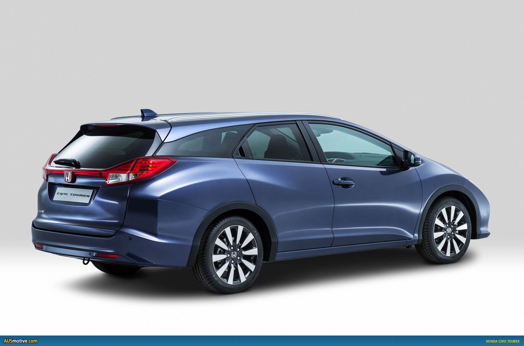 Honda civic tourer wants to hang with the for Cool honda civic