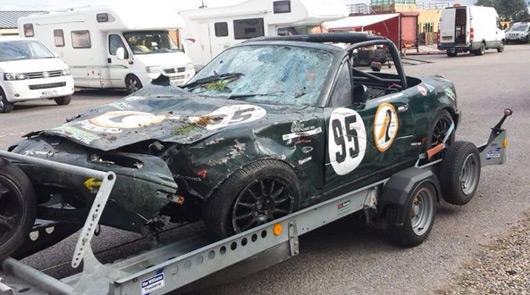 Mazda MX-5 crash at Croft