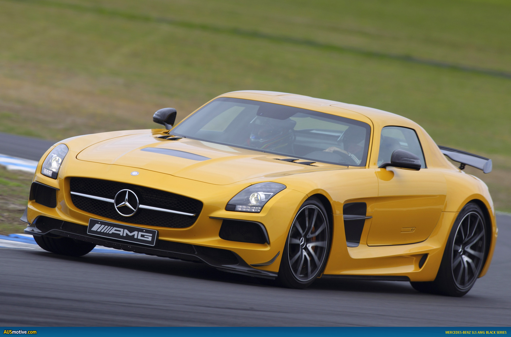 Mercedes sls amg black series australian for Mercedes benz sls price