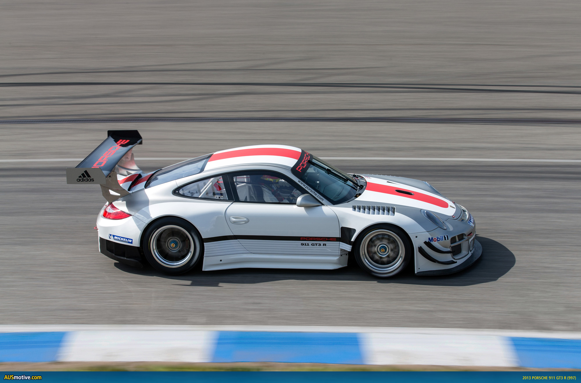 2013 porsche 911 gt3 r revealed. Black Bedroom Furniture Sets. Home Design Ideas