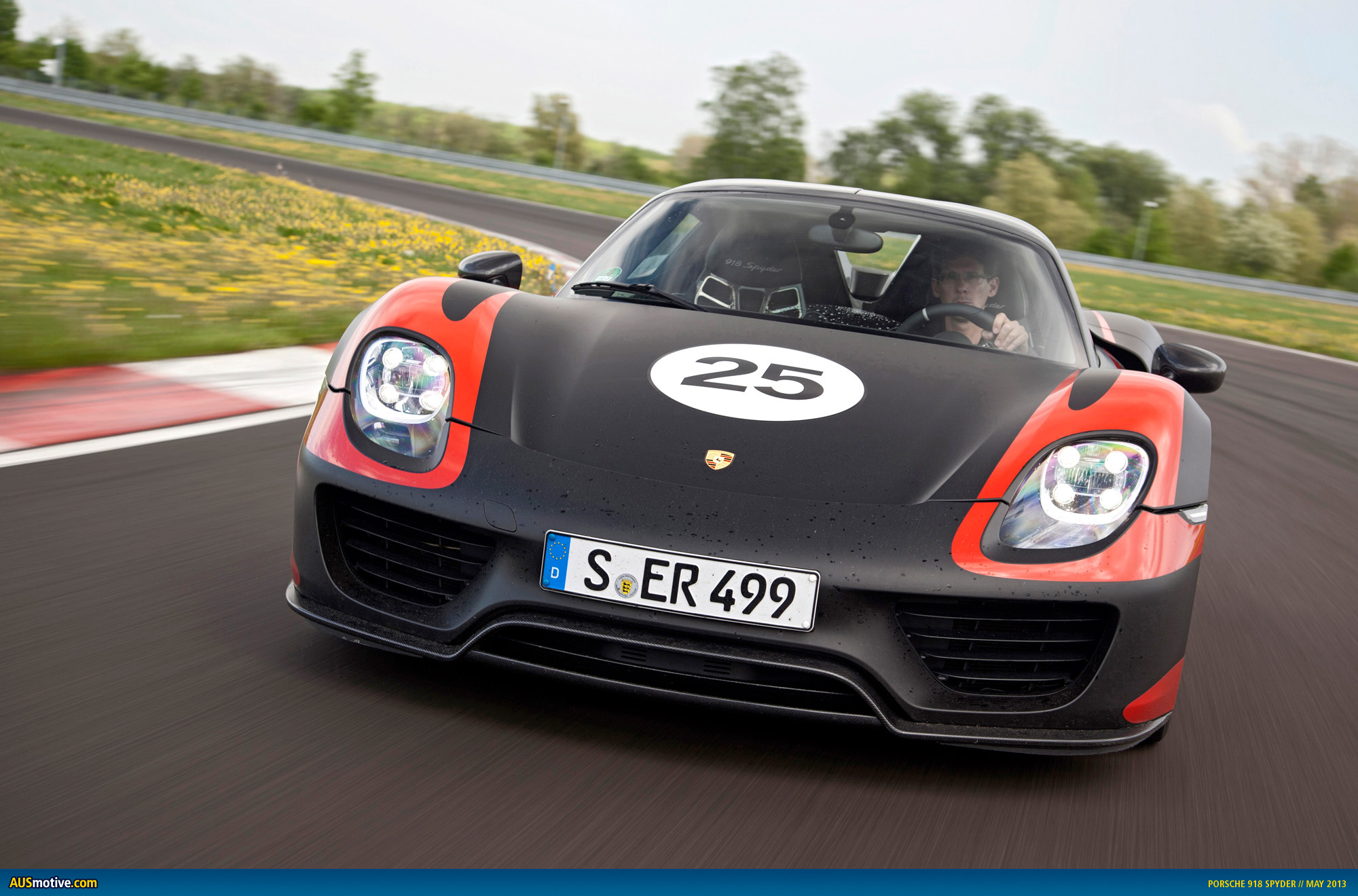 latest tech specs on the porsche 918 spyder. Black Bedroom Furniture Sets. Home Design Ideas