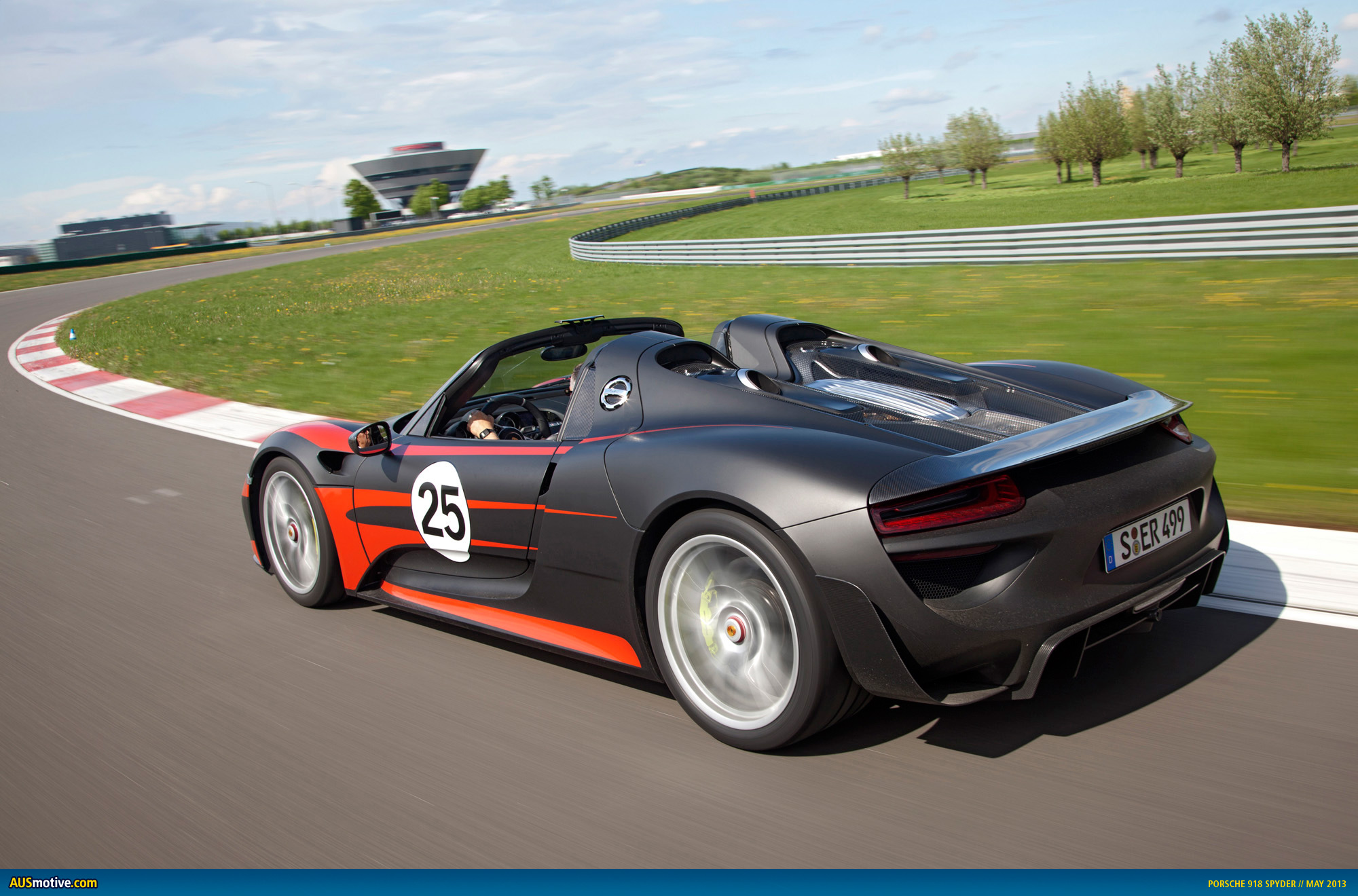 Ausmotive Com 187 Latest Tech Specs On The Porsche 918 Spyder