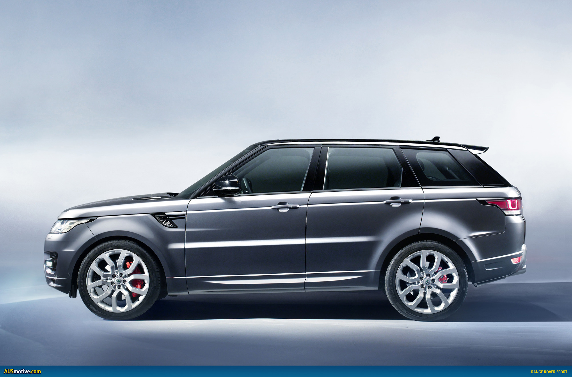 new york 2013 range rover sport revealed. Black Bedroom Furniture Sets. Home Design Ideas