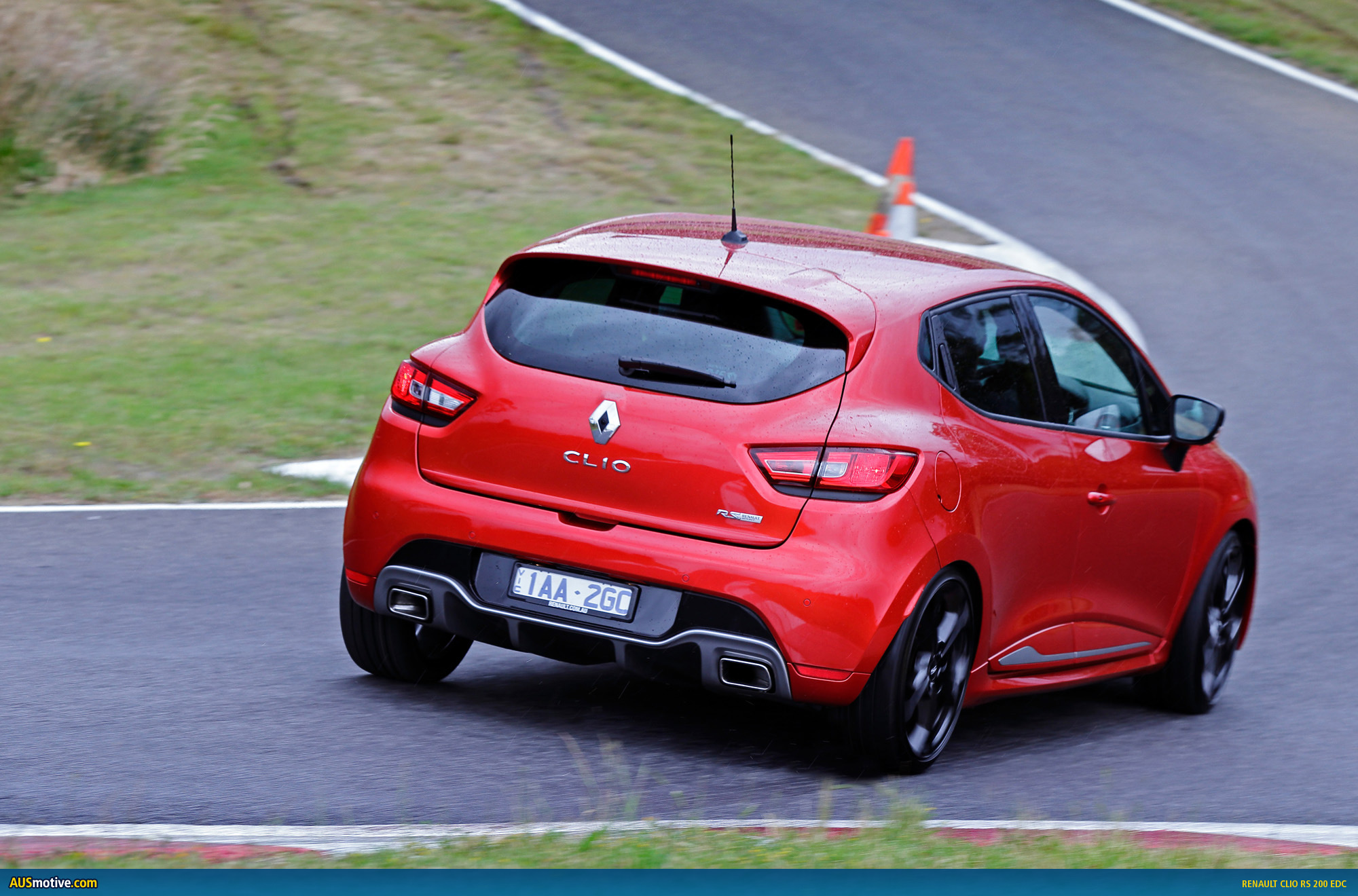 renault clio rs 200 edc australian pricing specs. Black Bedroom Furniture Sets. Home Design Ideas