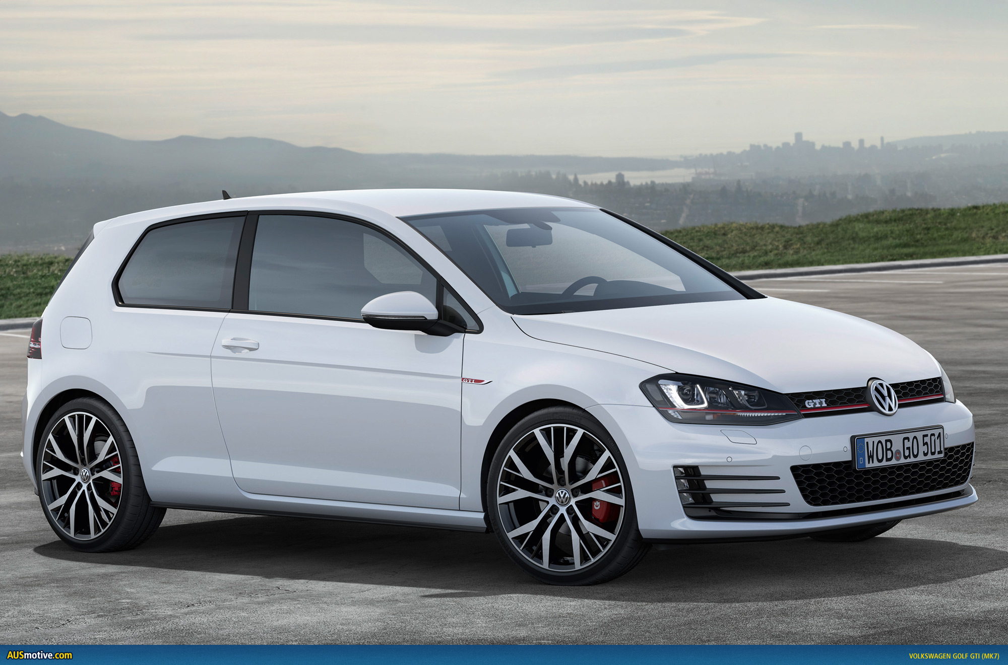 volkswagen golf vii gti revealed. Black Bedroom Furniture Sets. Home Design Ideas