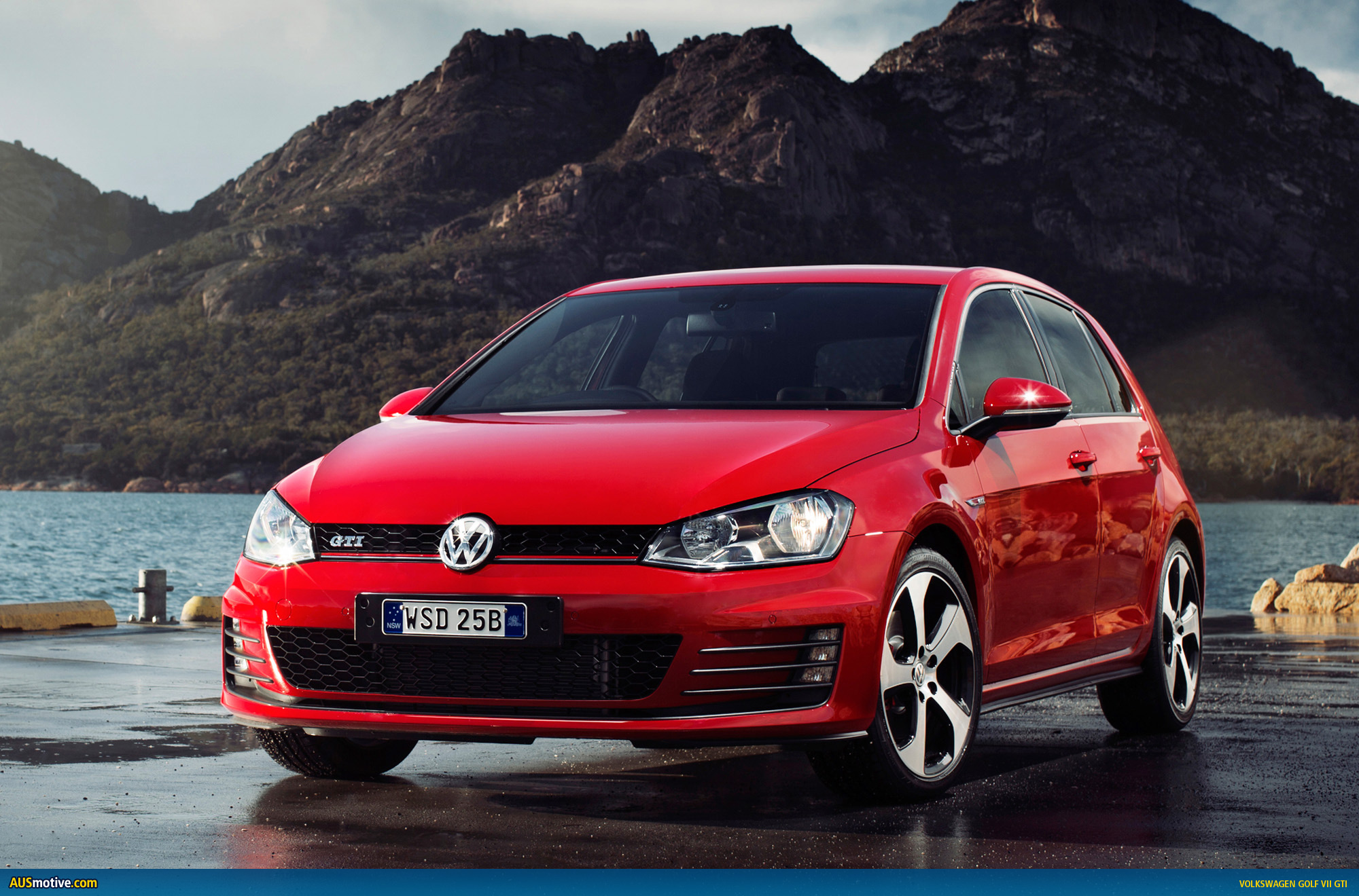 Volkswagen Golf 2014 Red