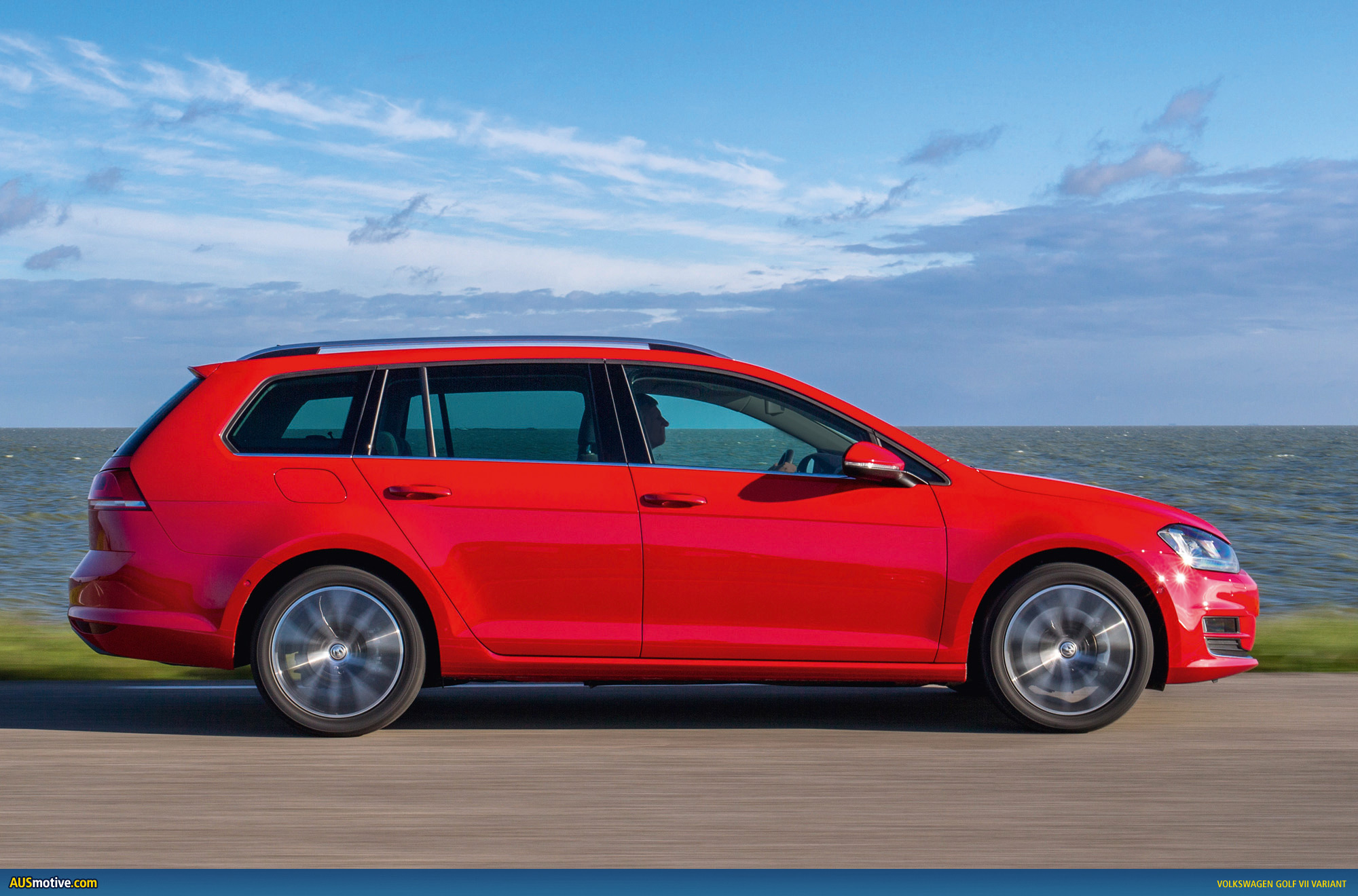 volkswagen golf vii variant revealed